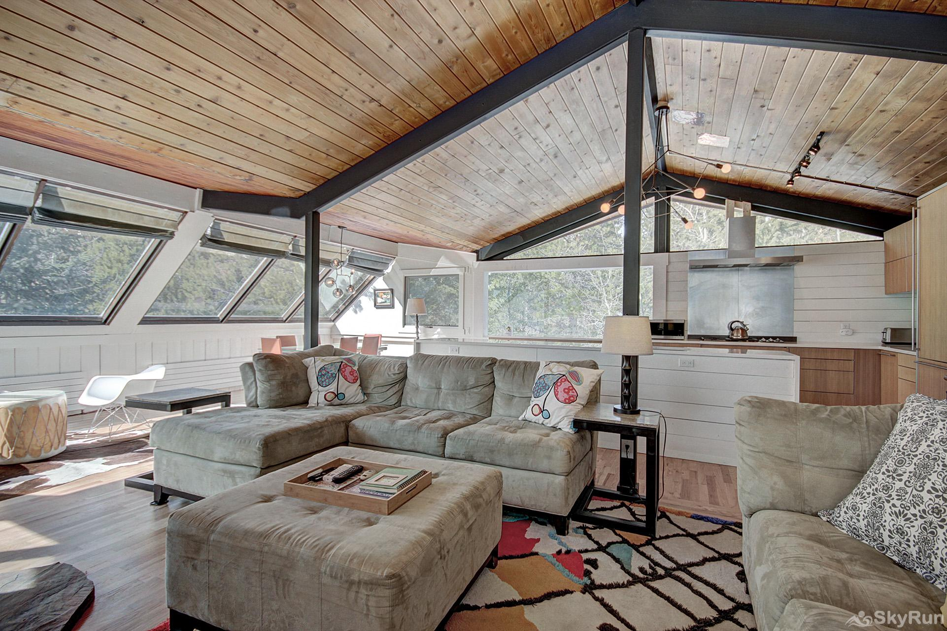 Elk Horn Cabin Large windows allow plenty of natural light