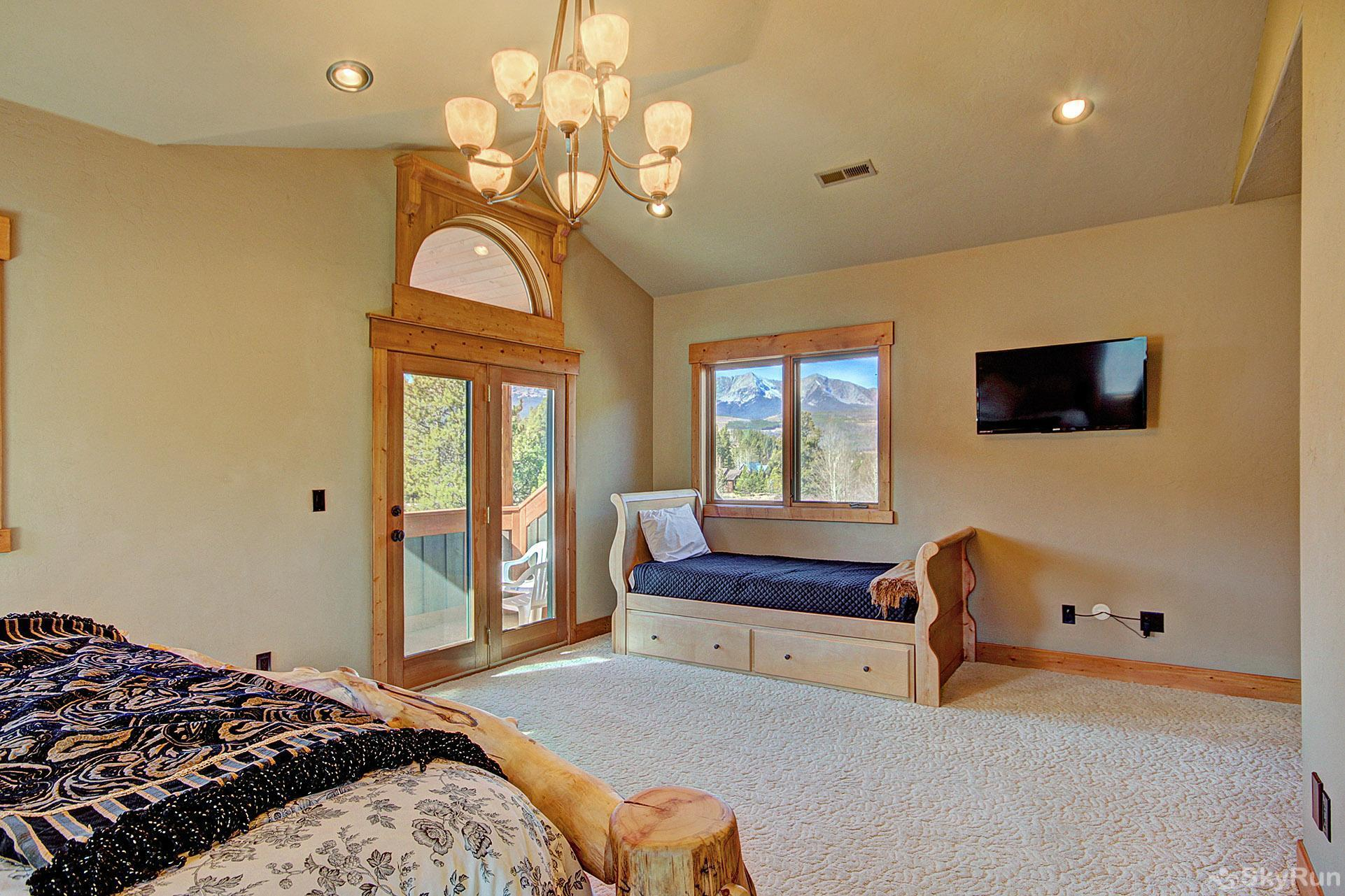 Buffalo Lodge Upper level master bedroom 2 (alt view)