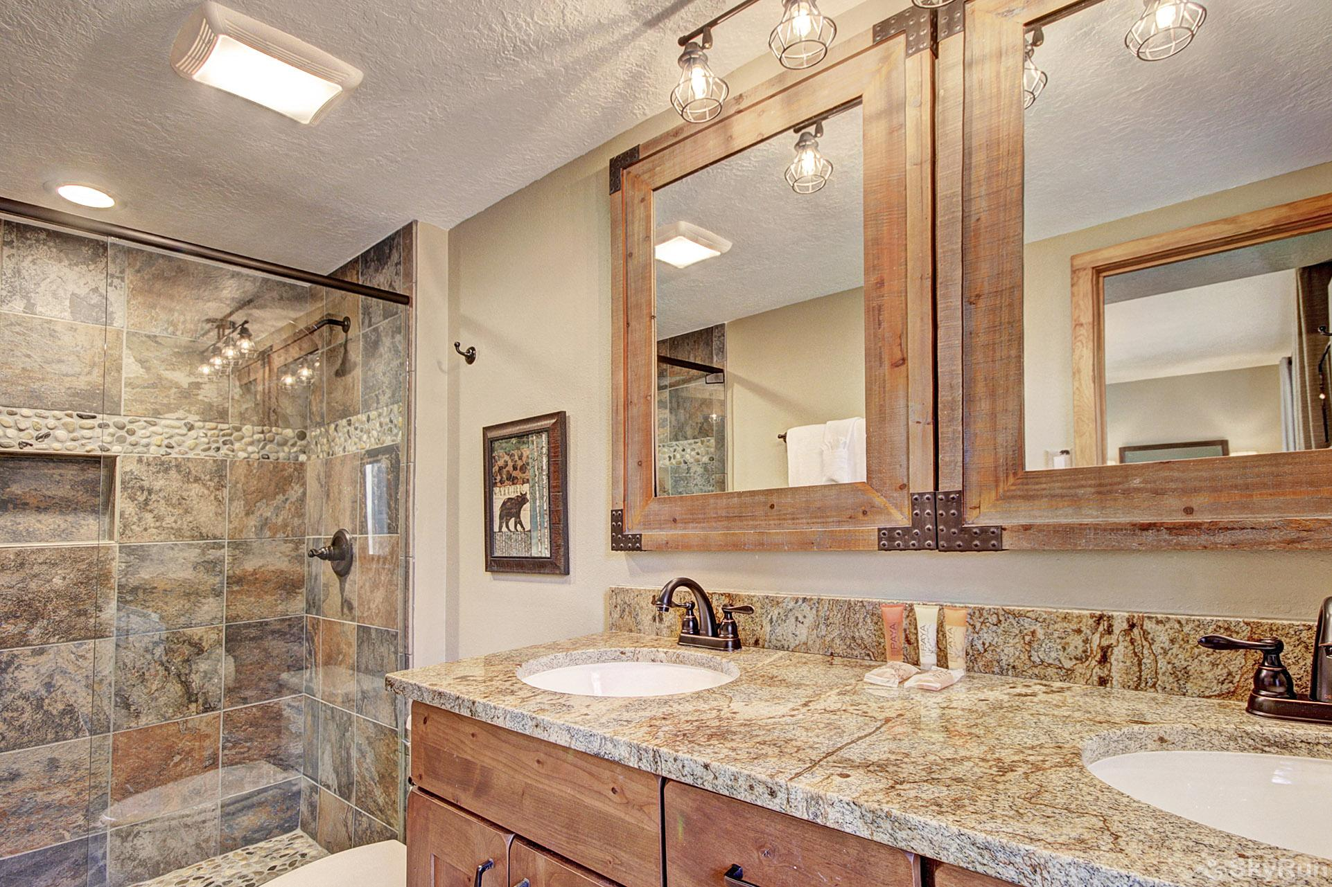 2054 The Pines Master Bathroom