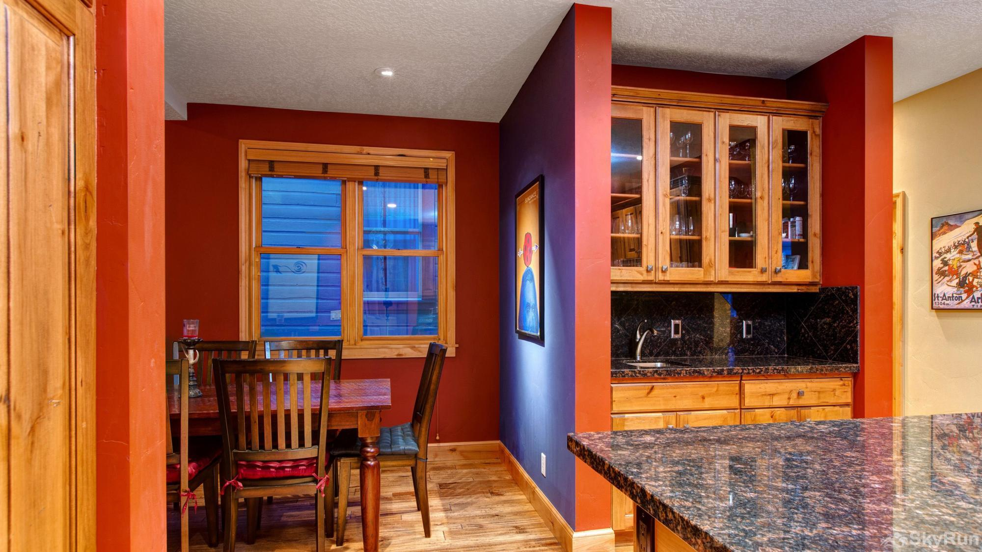 Town Lift Gem 4 Bedroom Kitchen and Dining Nooks
