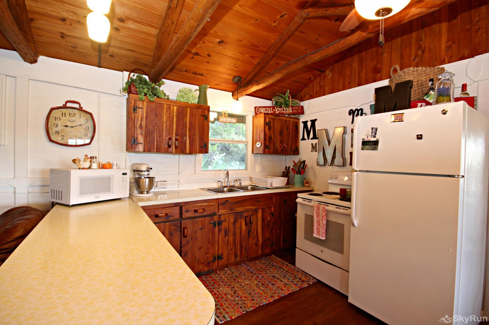 COOLVIEW CABIN Kitchen Stocked with Cookware and Dinnerware