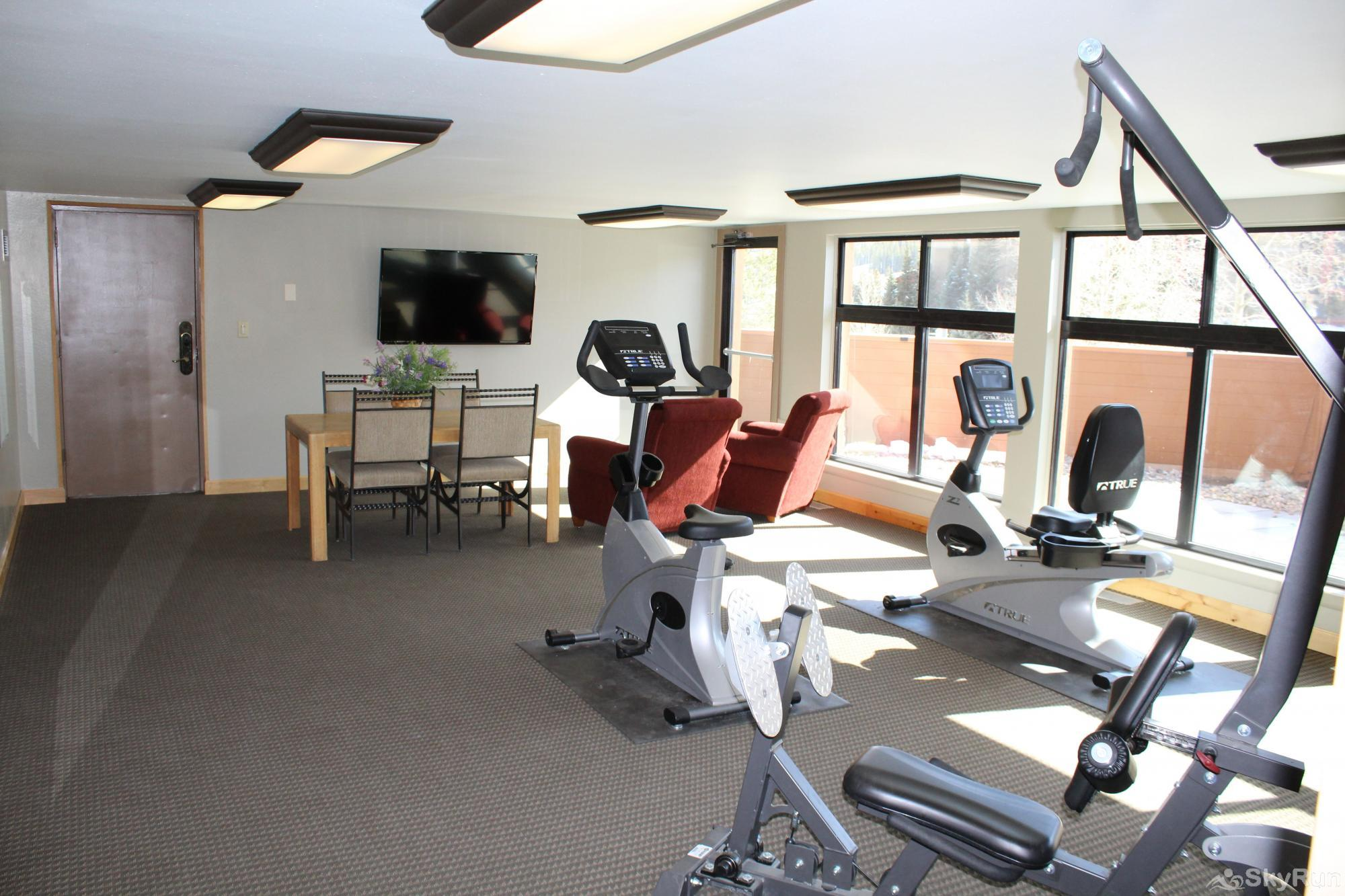 WL481 West Lake Lodge Fitness Room