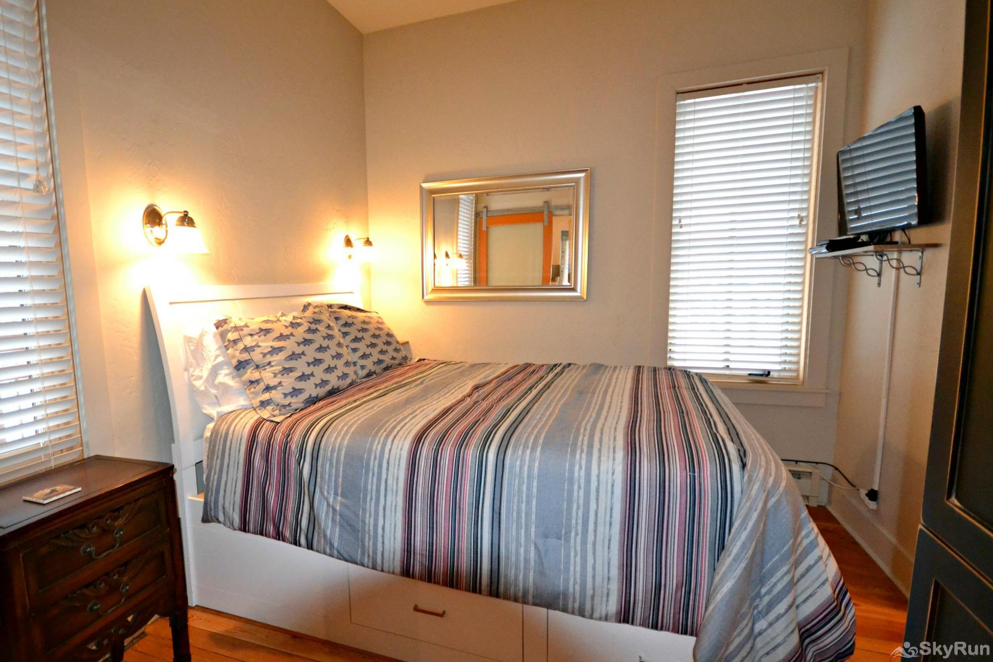 Walker's Cottage Bedroom with Queen Bed and HDTV