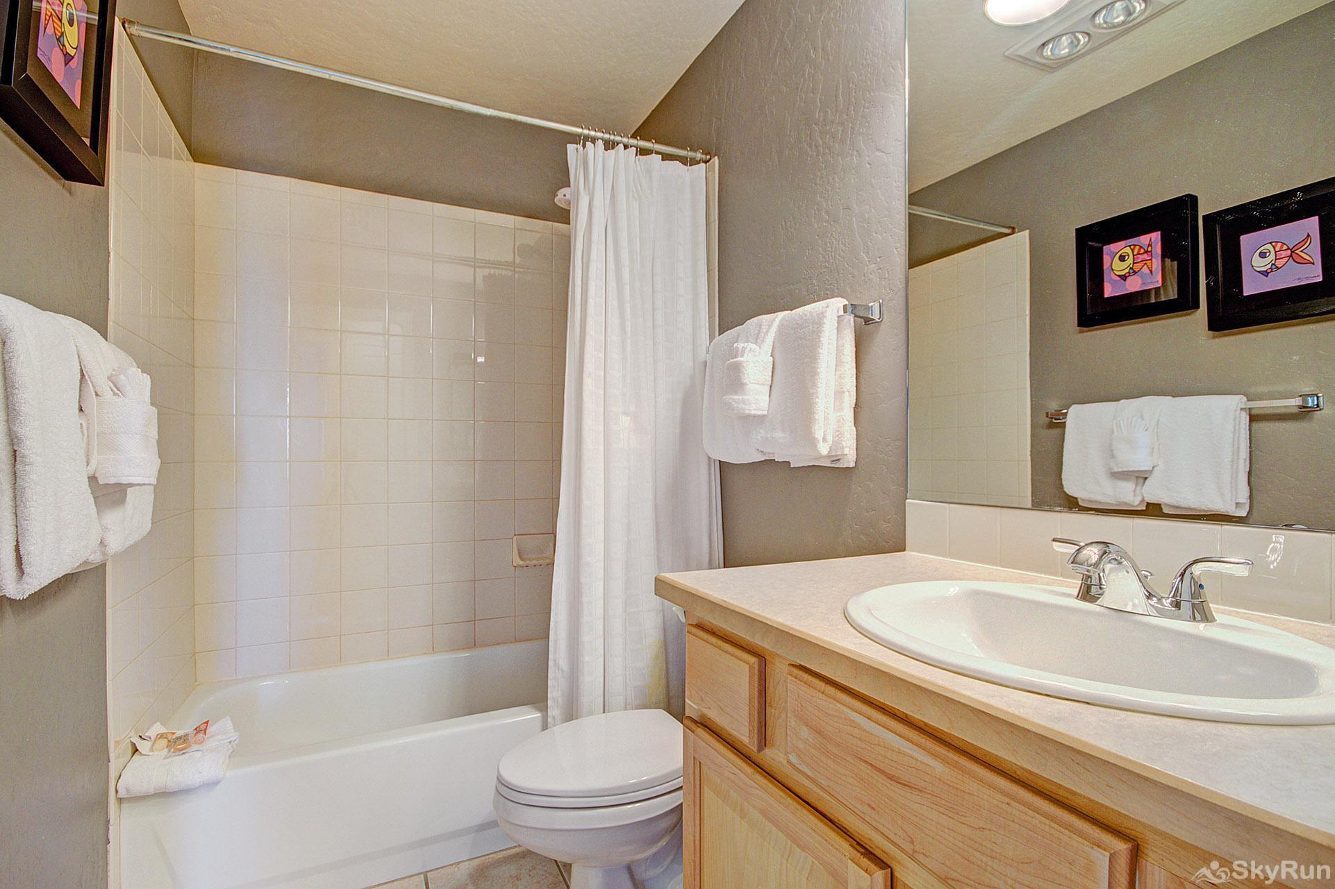 Kingdom Park Retreat Full Bathroom #2