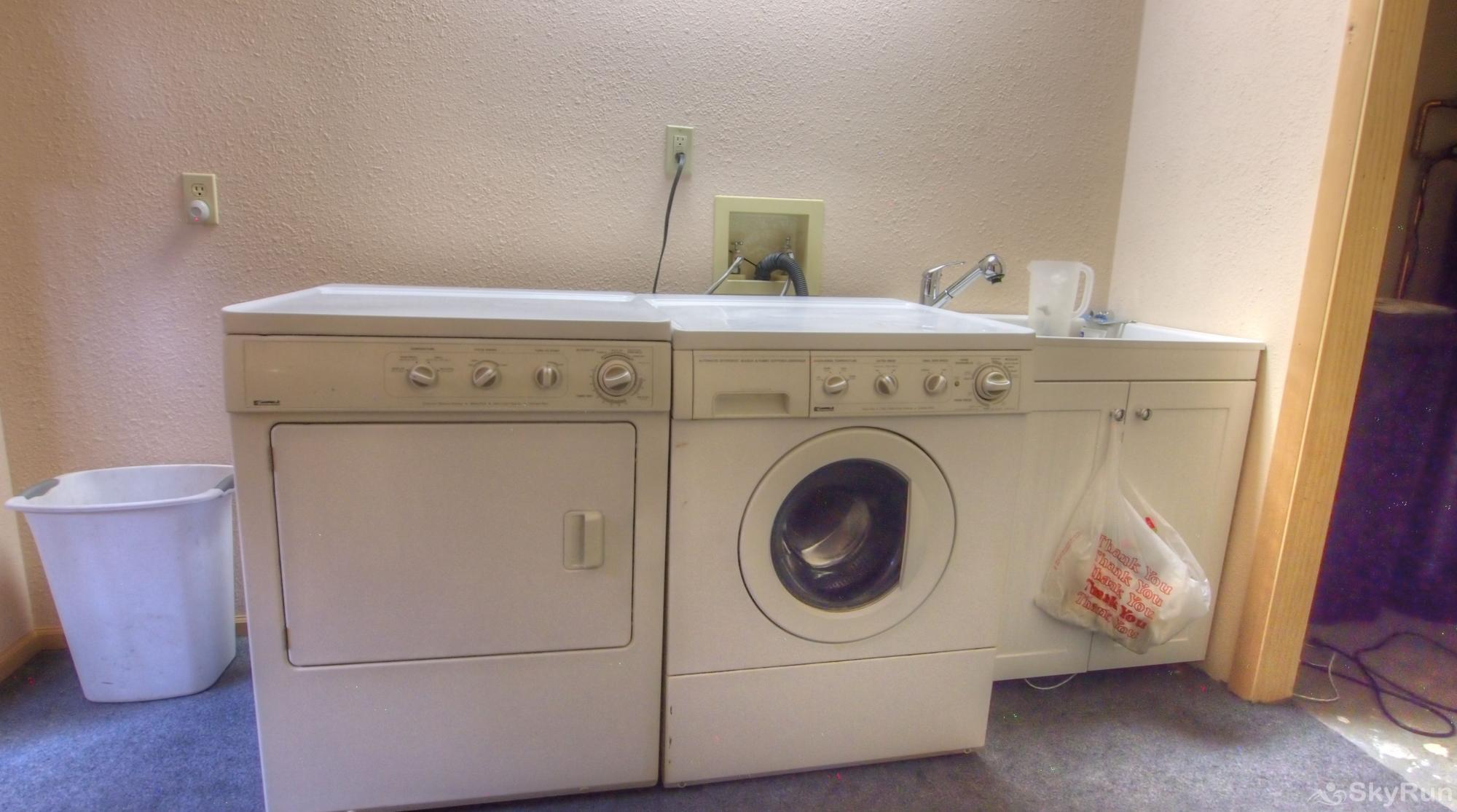 Indian Peaks Lodge Laundry room