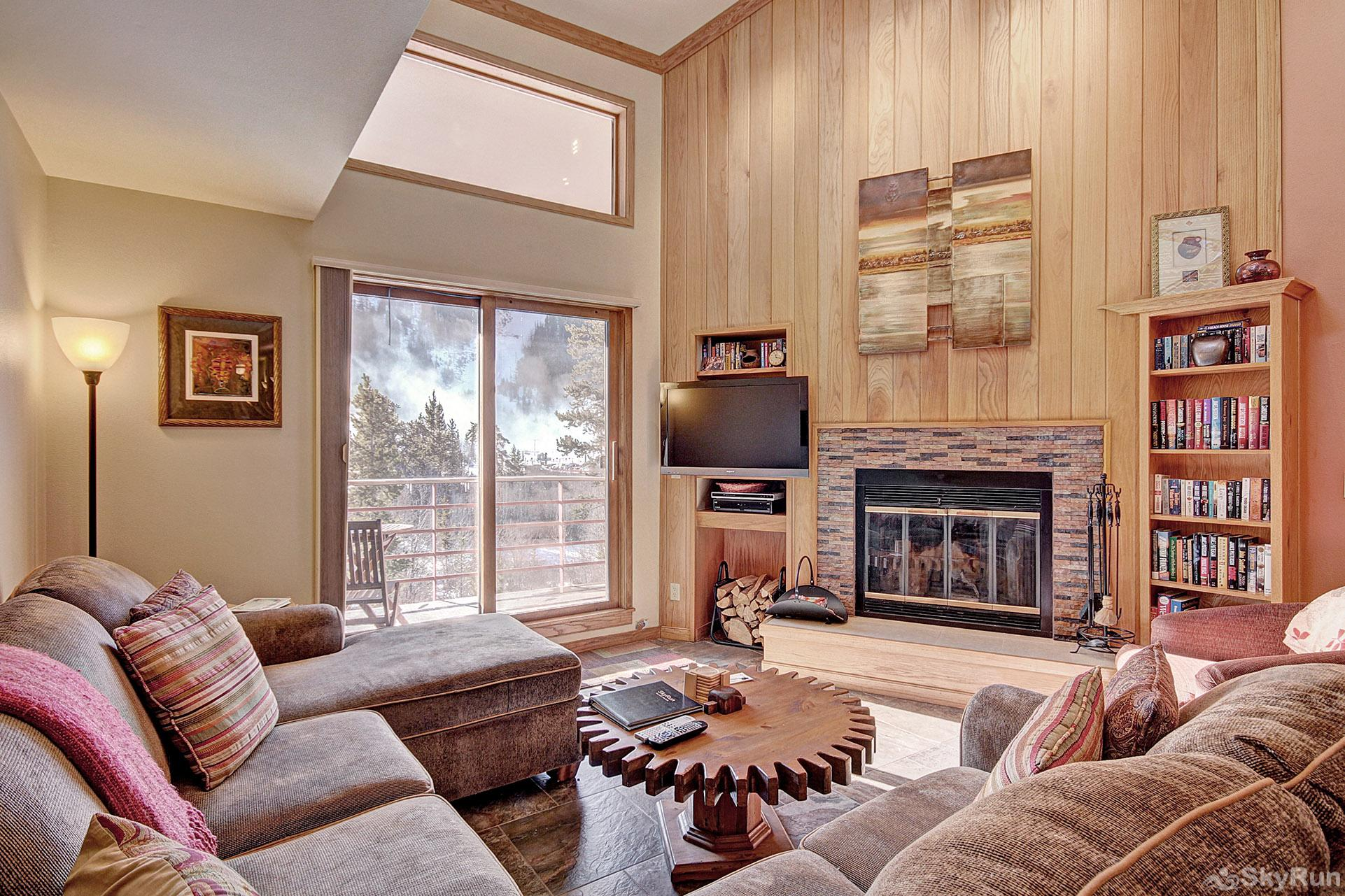 413 Ski Run Living Room