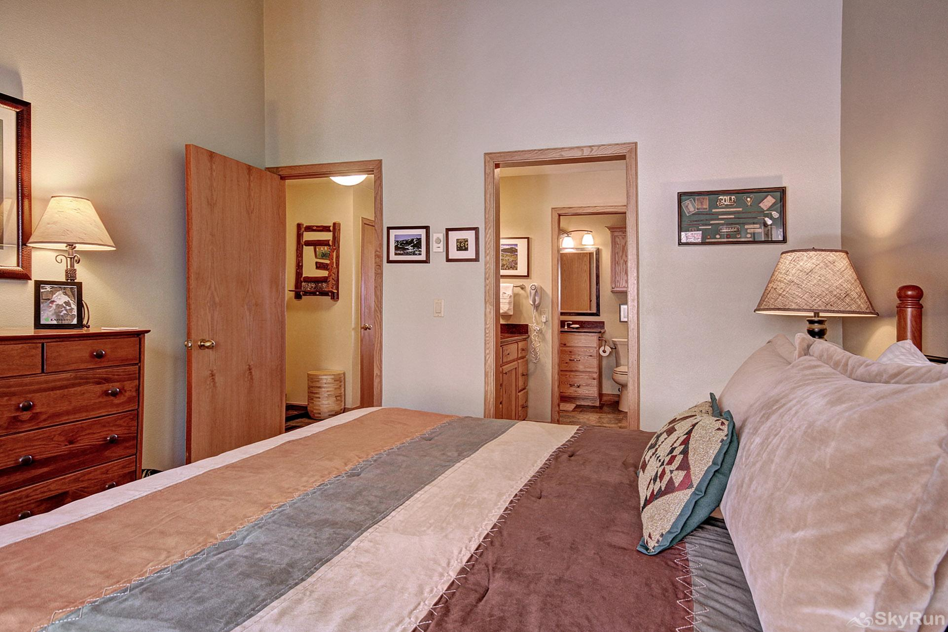 413 Ski Run Master Bedroom
