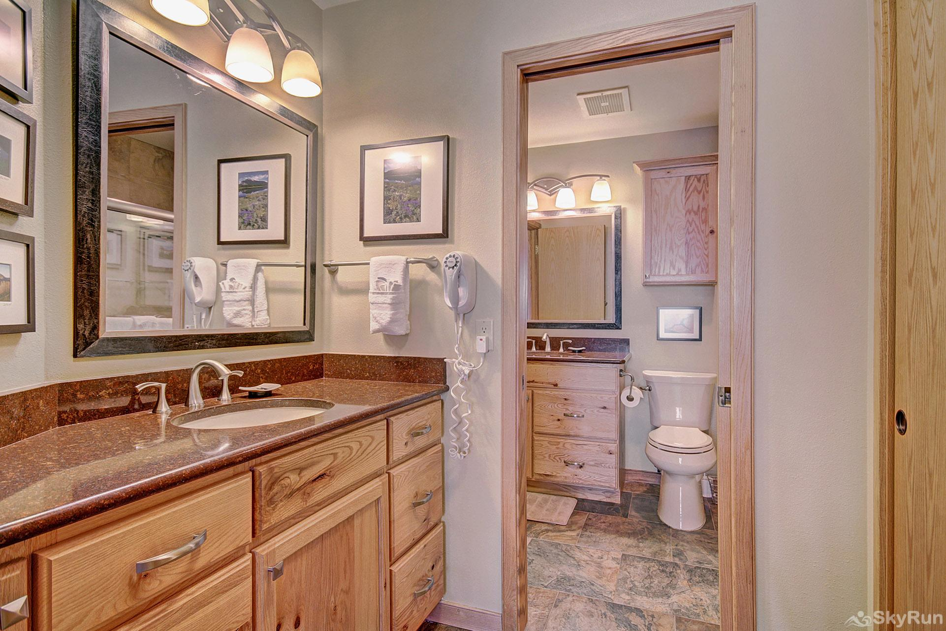 413 Ski Run Ensuite Master Bathroom