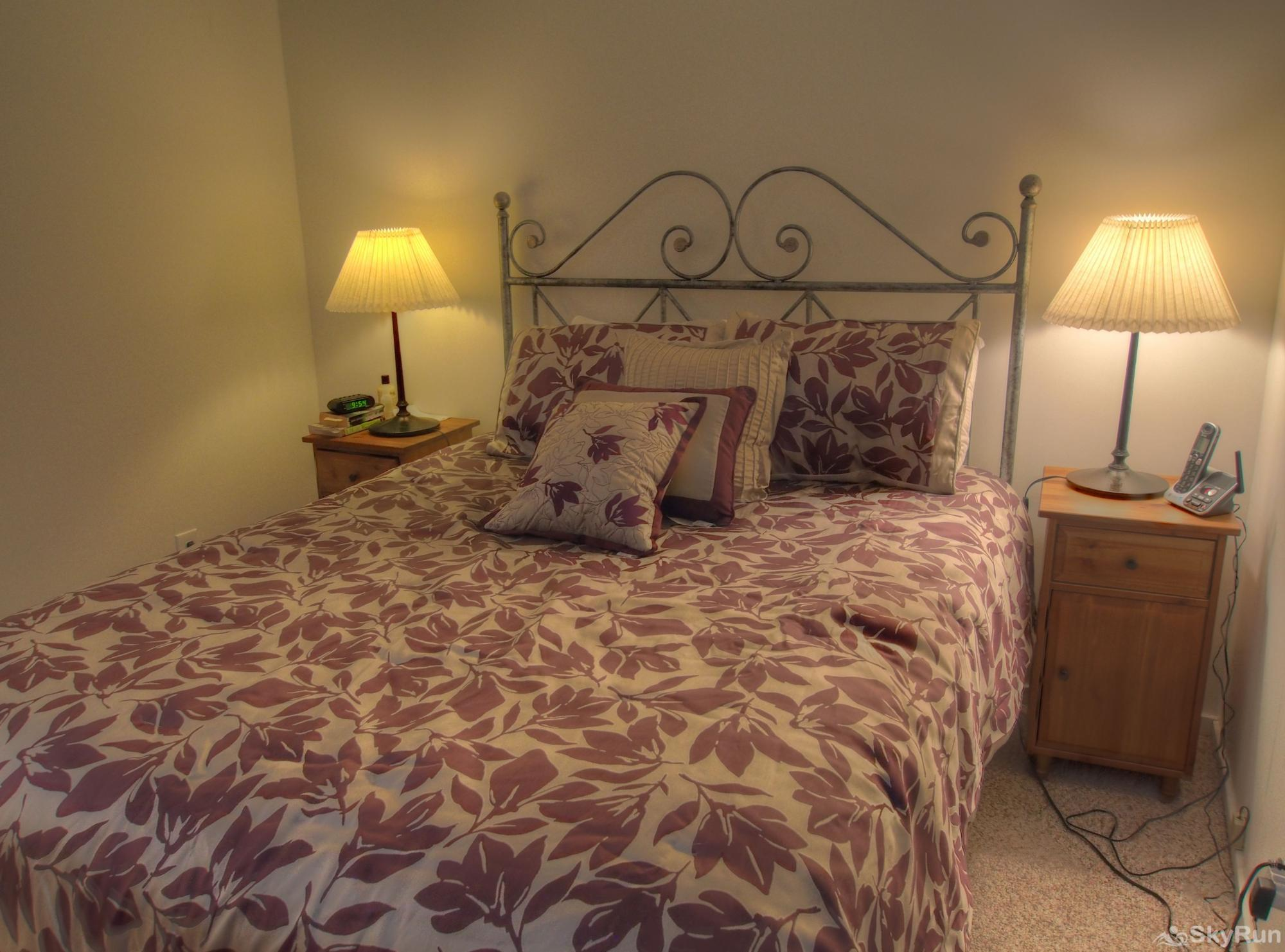 19 Village Run Bedroom with queen bed
