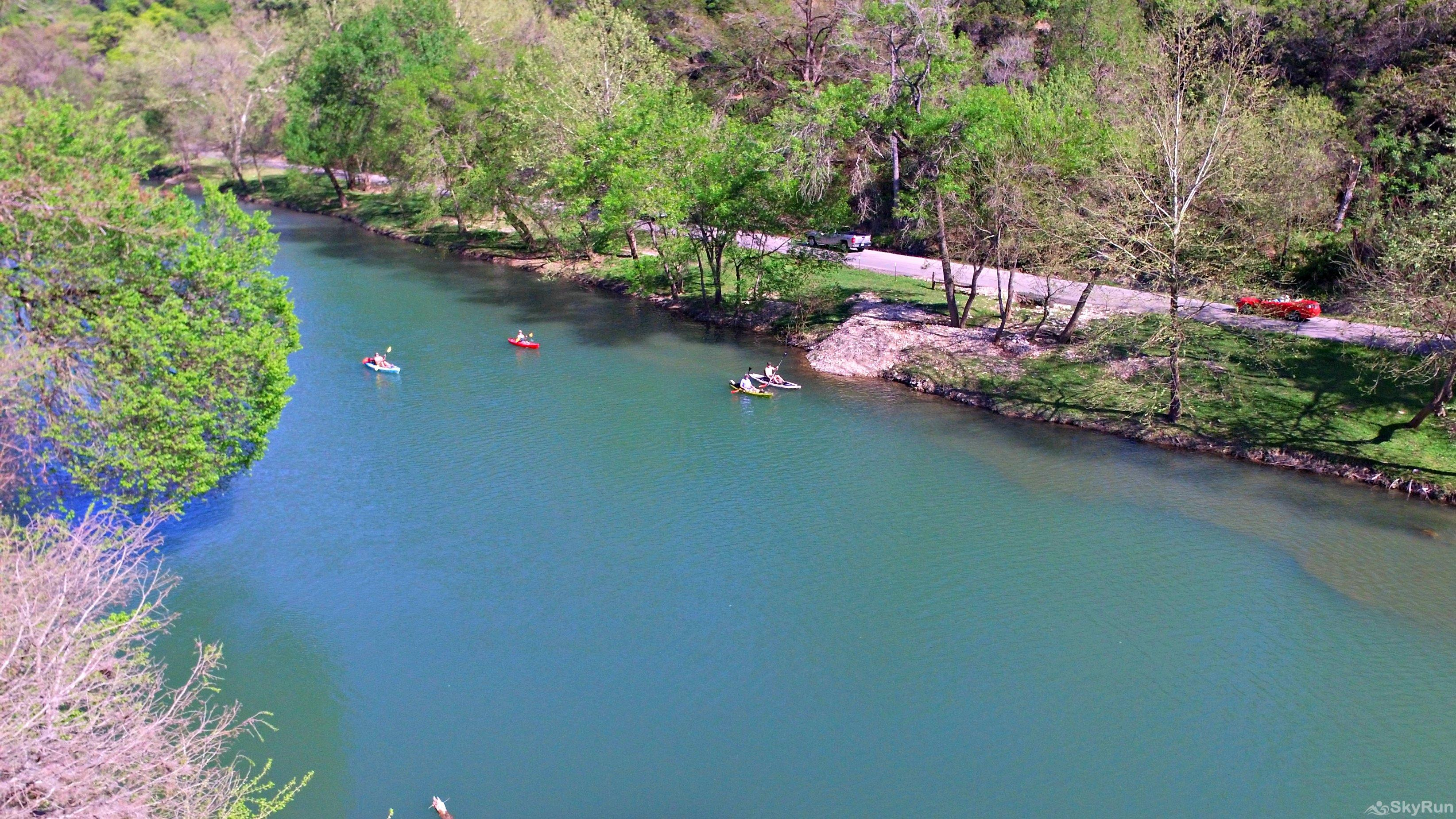 TEXAS ROSE LODGE Experience the cool, refreshing waters of the Guadalupe River