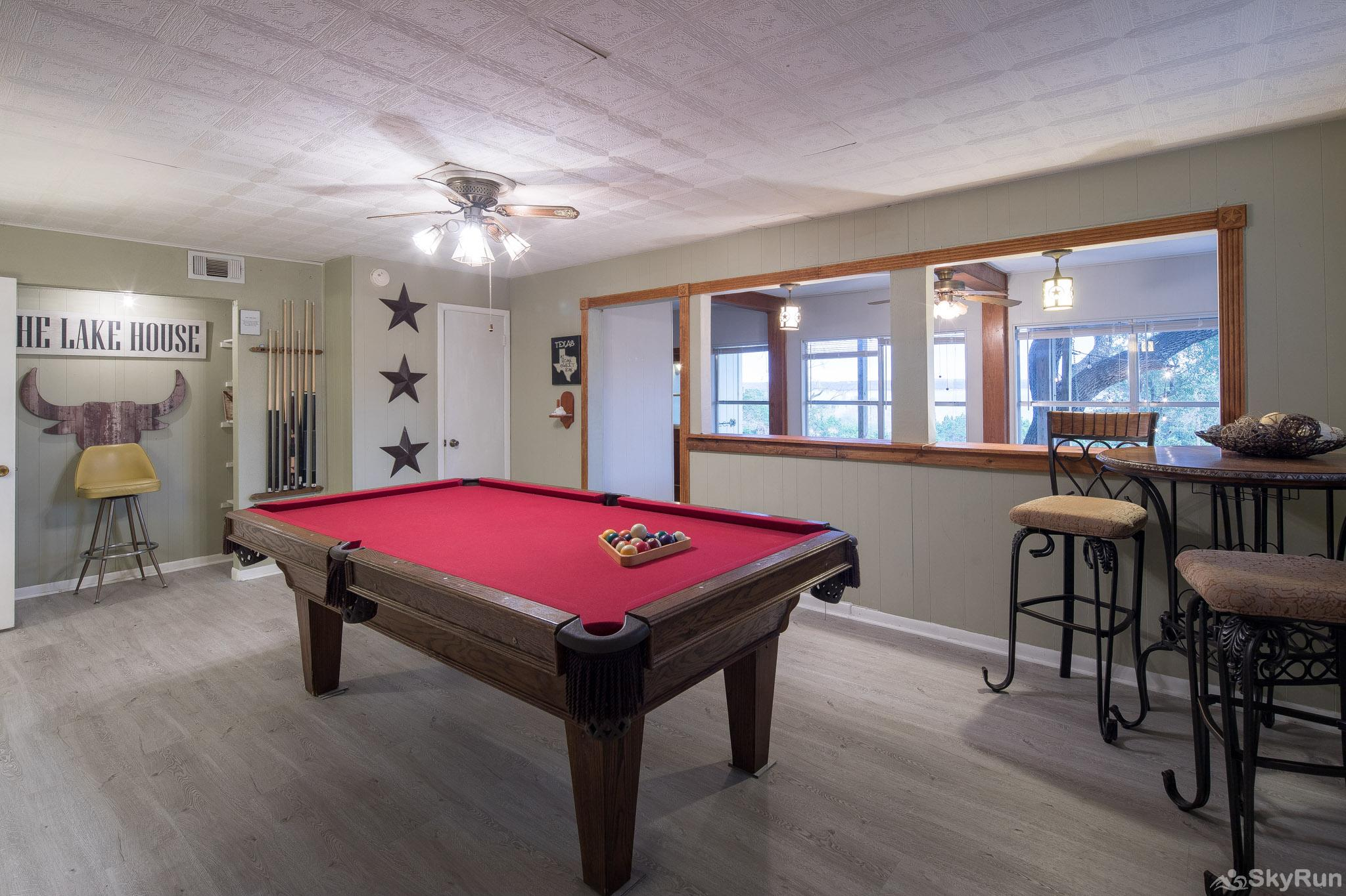 TEXAS ROSE LODGE Pool table area, cont.