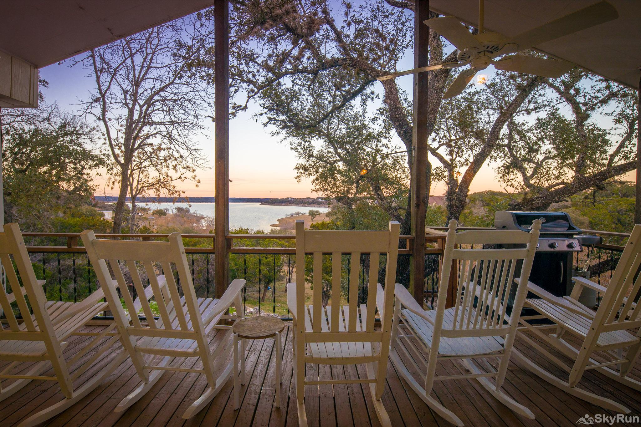 TEXAS ROSE LODGE Waterfront view of Canyon Lake from the raised deck