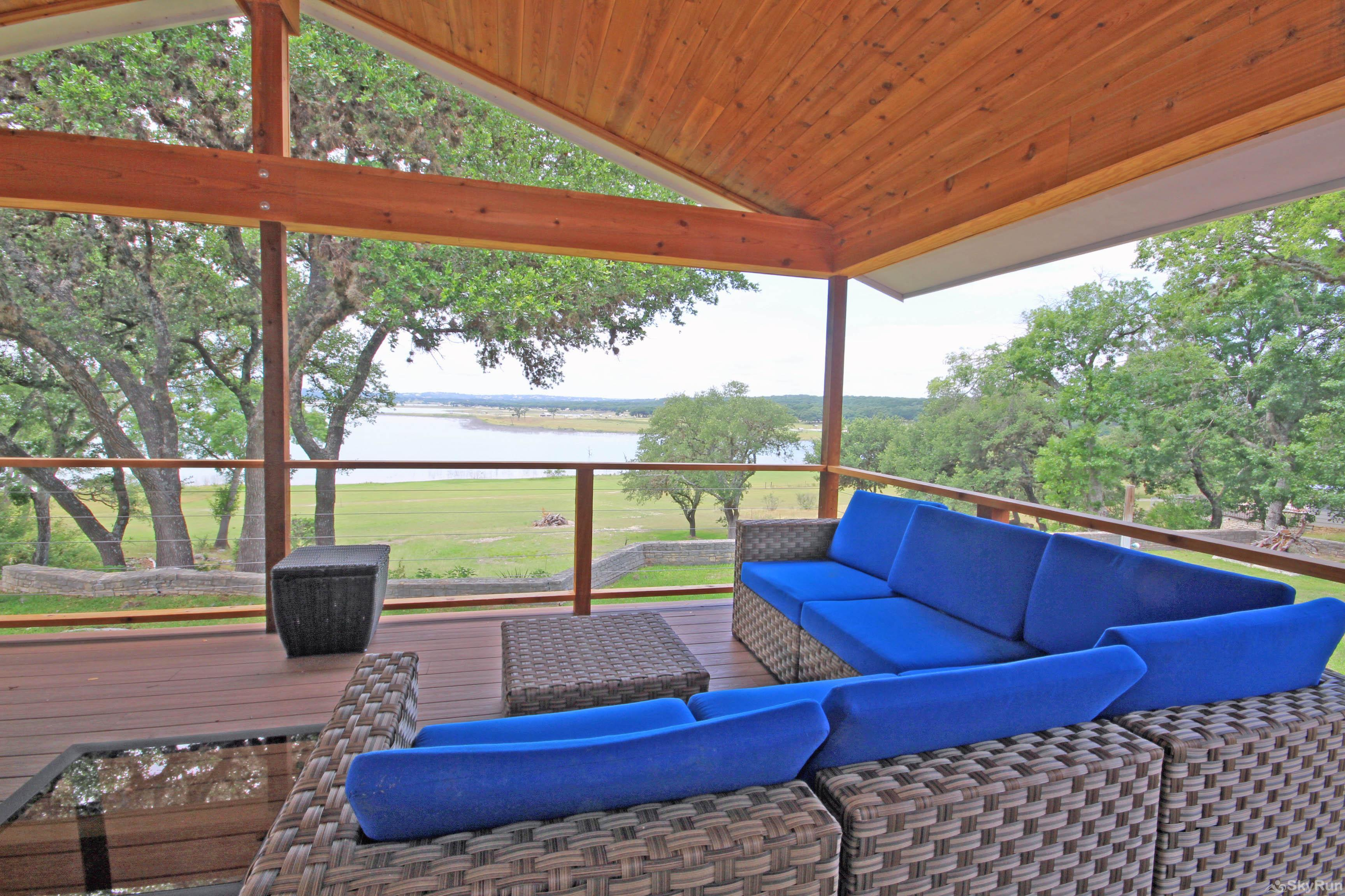 SUNSET VISTAS Book Your Canyon Lake Vacation Today!
