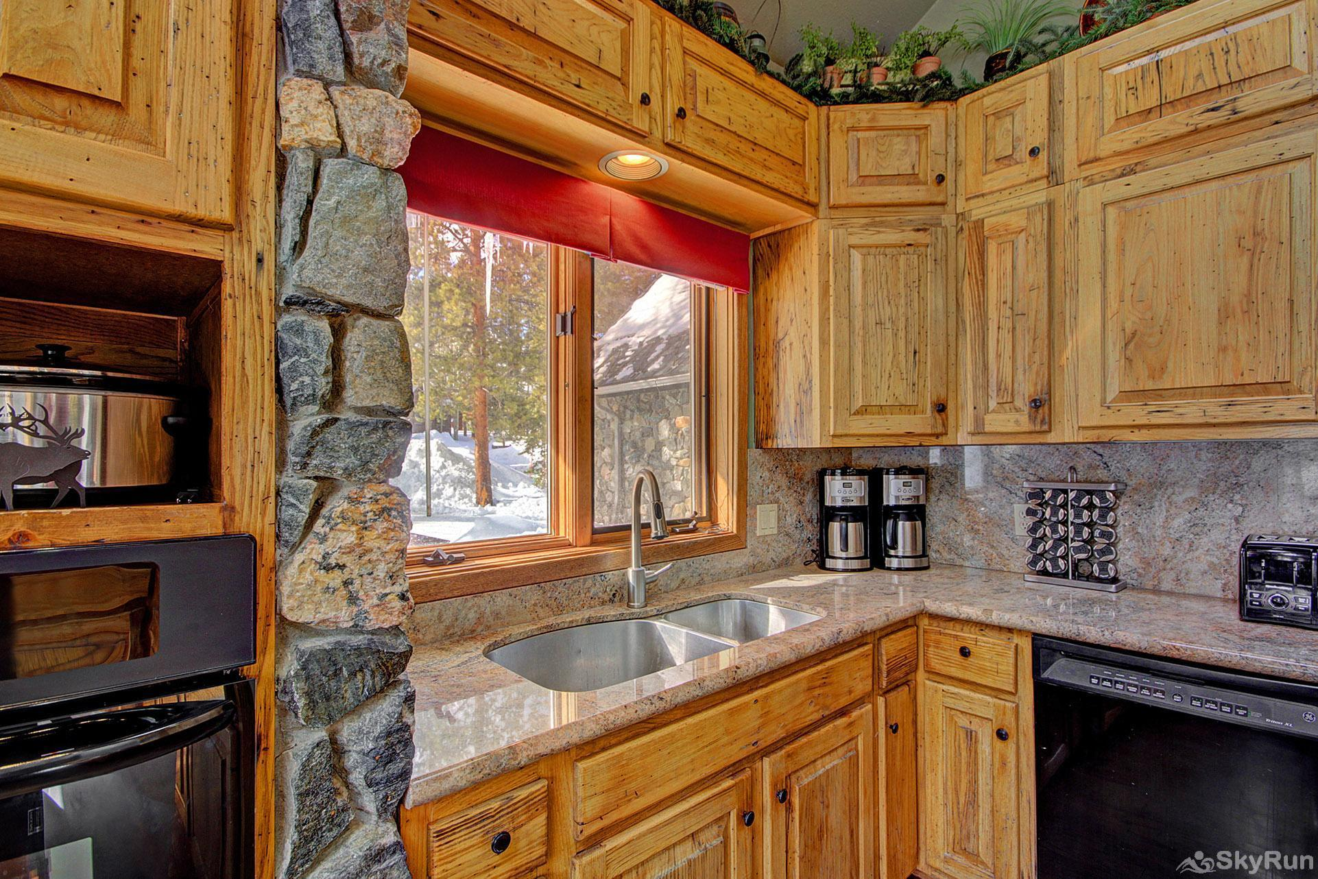 Gold King Lodge Kitchen Sink & Ovens