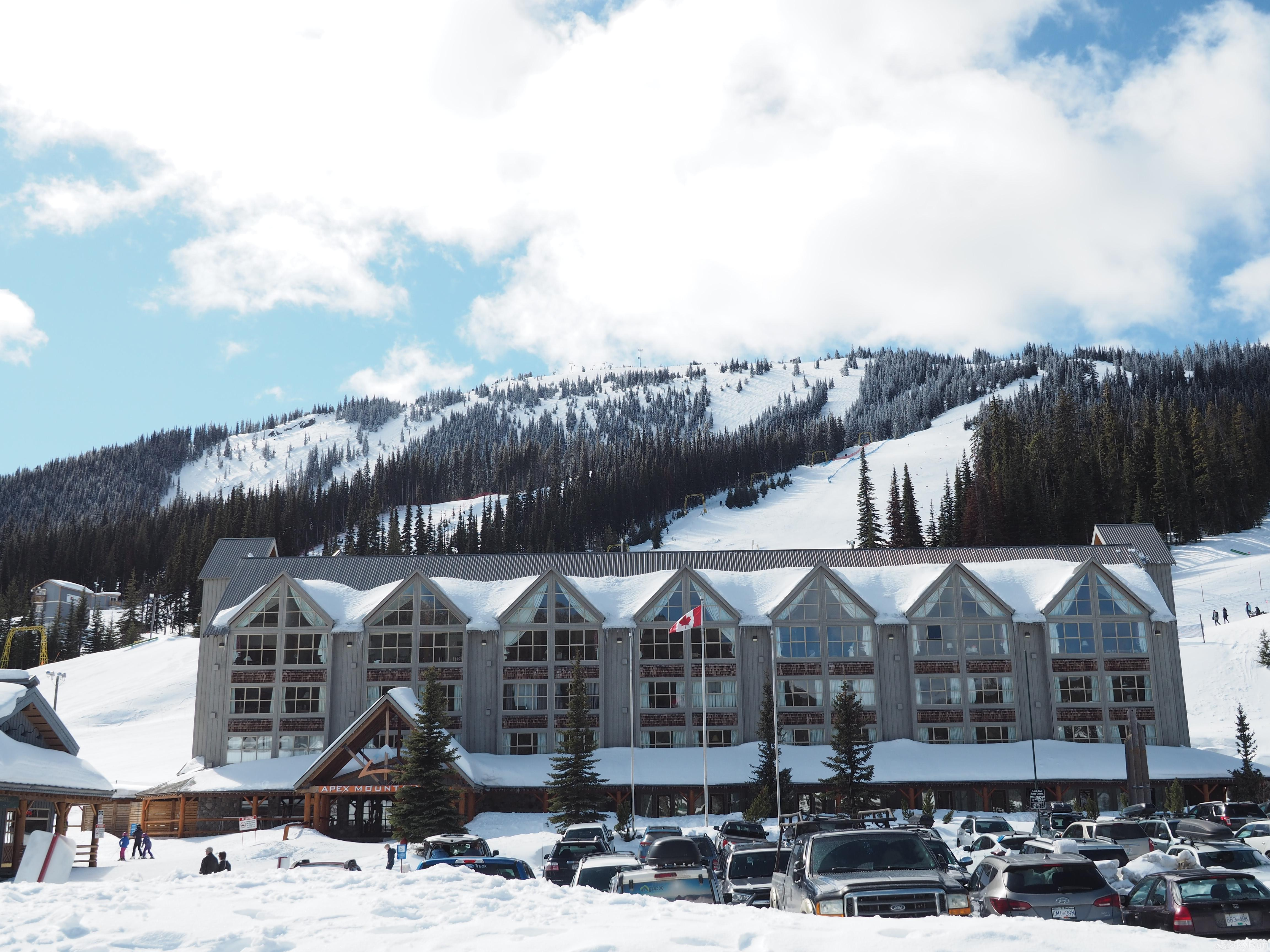 Apex Mountain Inn 2 BDRM Suite 101-102 Unit 101-102 is the ground floor corner unit closest to the hockey rink