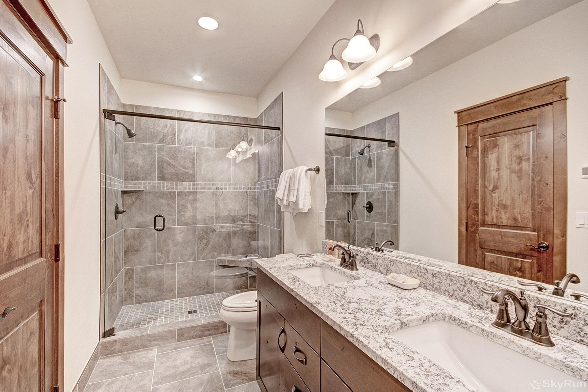 47 River Run Townhomes Master Ensuite Bathroom