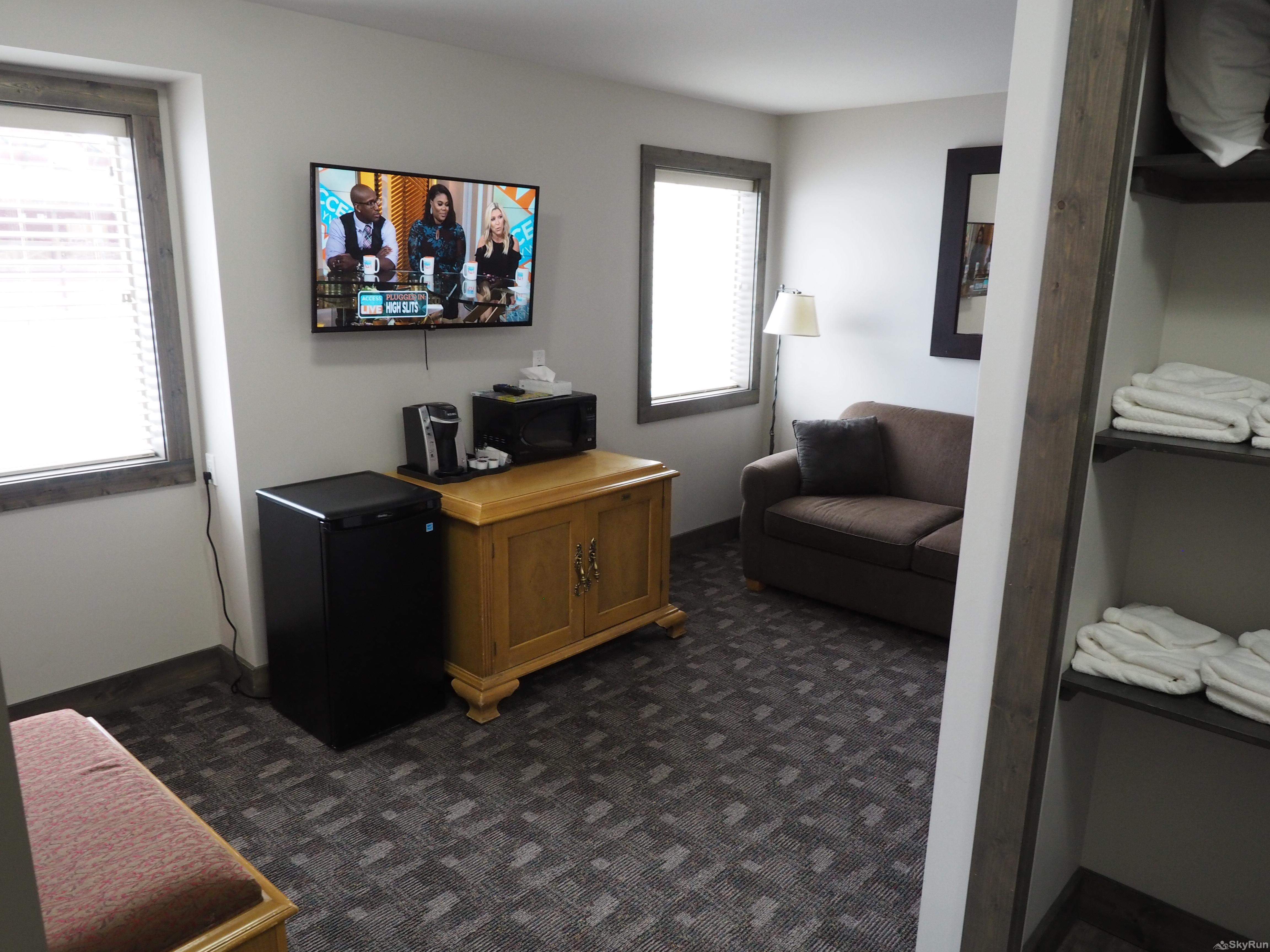 Apex Lodge Standard Room - 7 Living Room