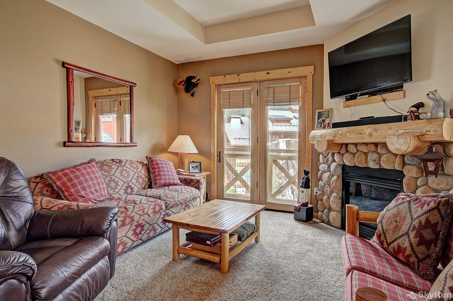 TM414 Tucker Mountain Relax in the Cozy Living Room