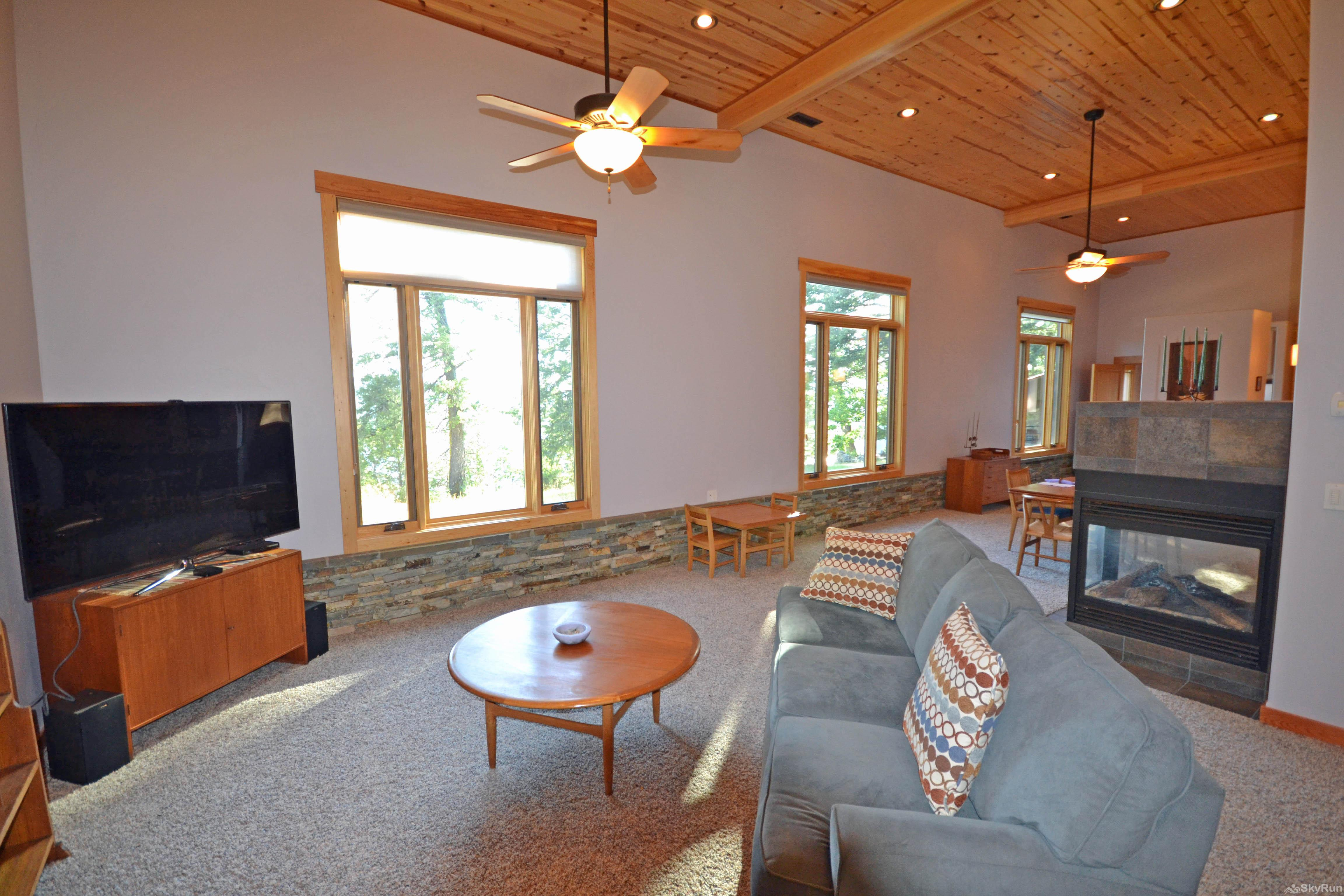 Lodgepole Ridge Cabin Living Room, cont.