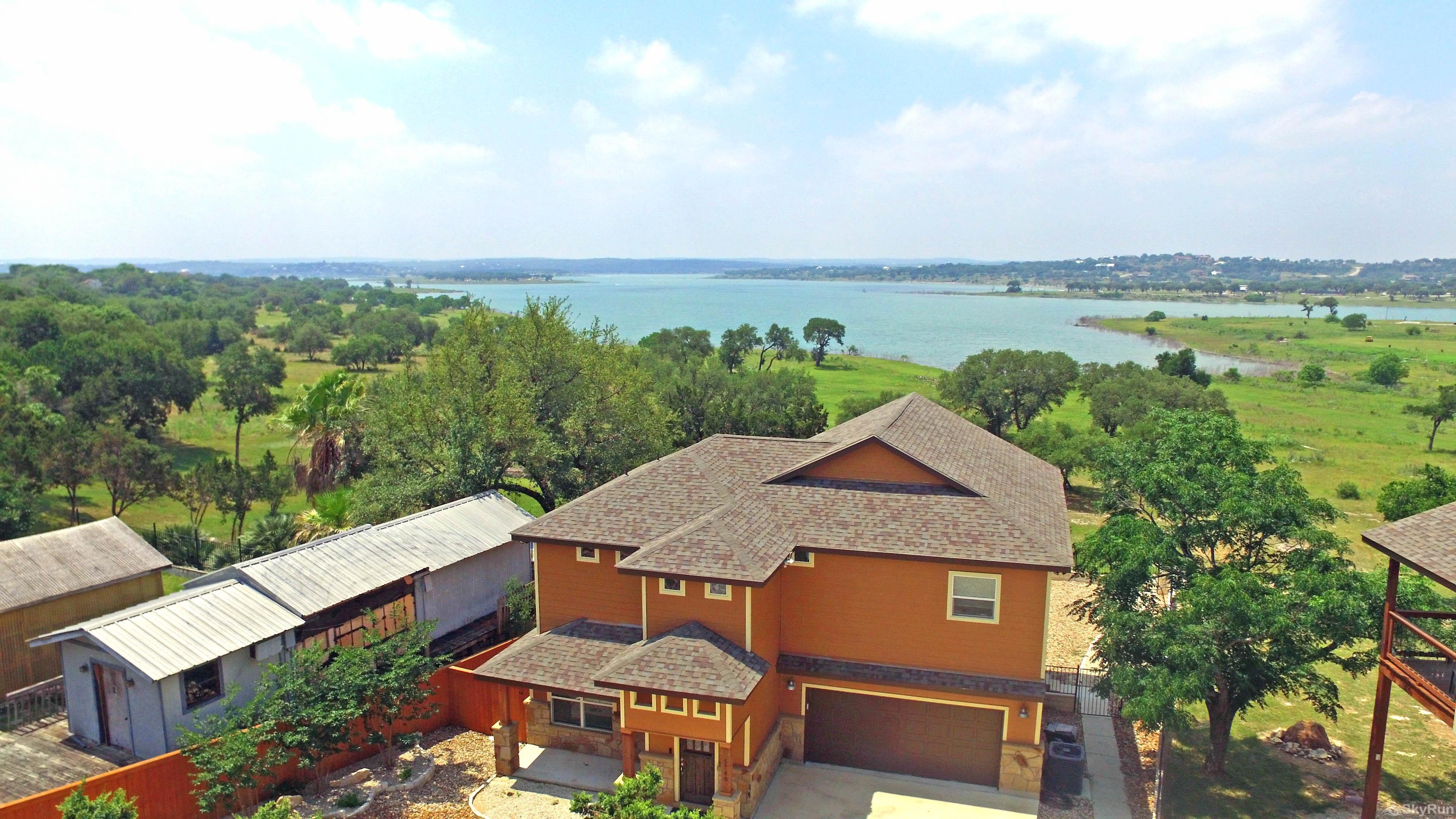 BLUE SKY HAVEN Book Your Canyon Lake Vacation Today!