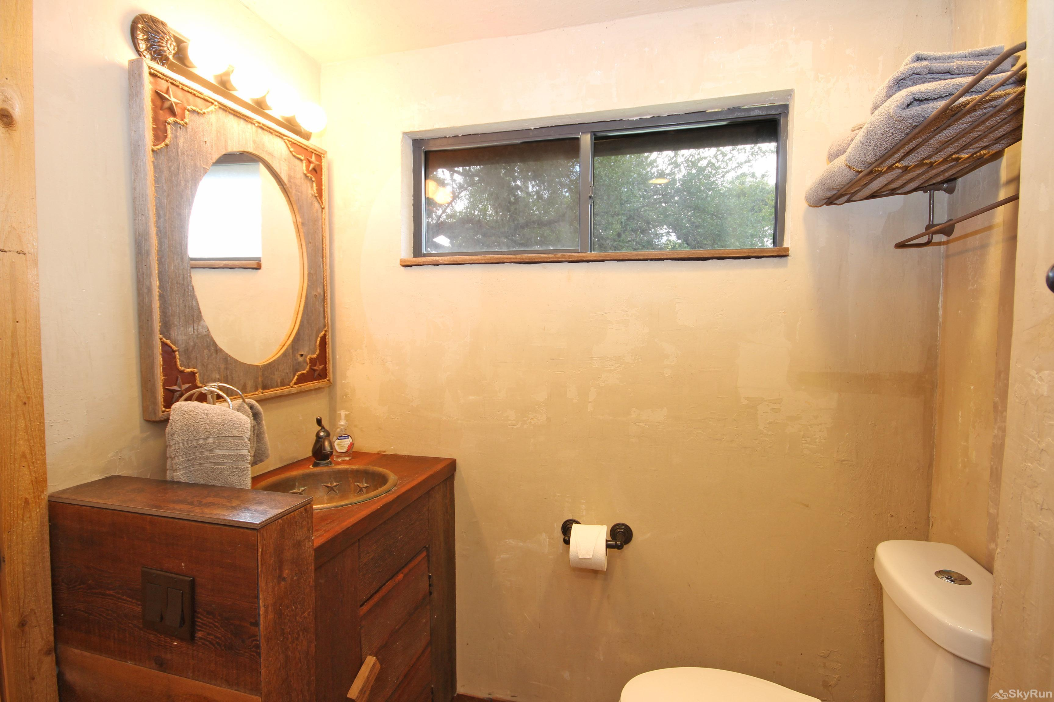 OLD GOAT HOUSE Third Full Bathroom