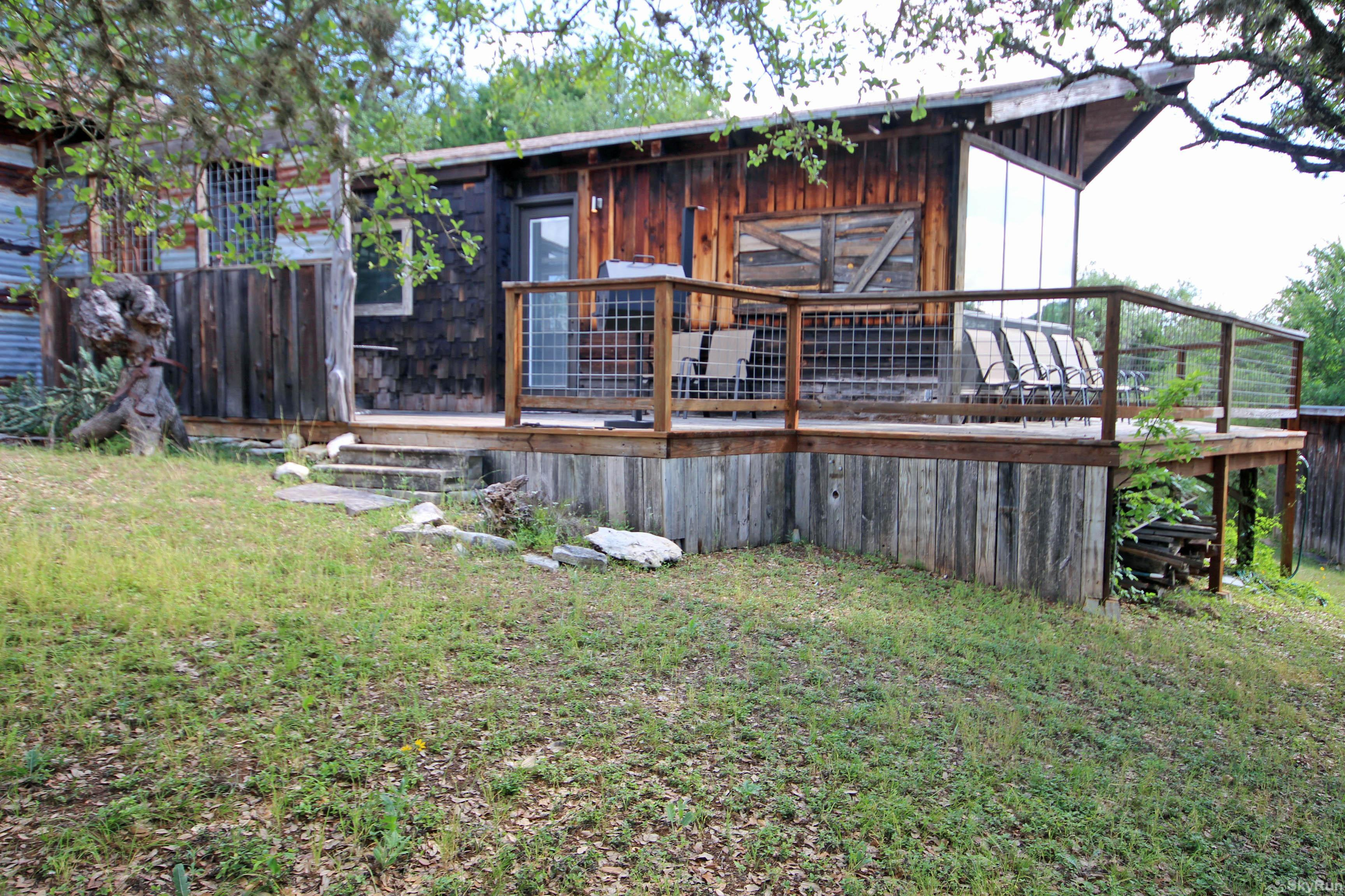LUCKY GOAT HOUSE Back Porch with Guadalupe River View