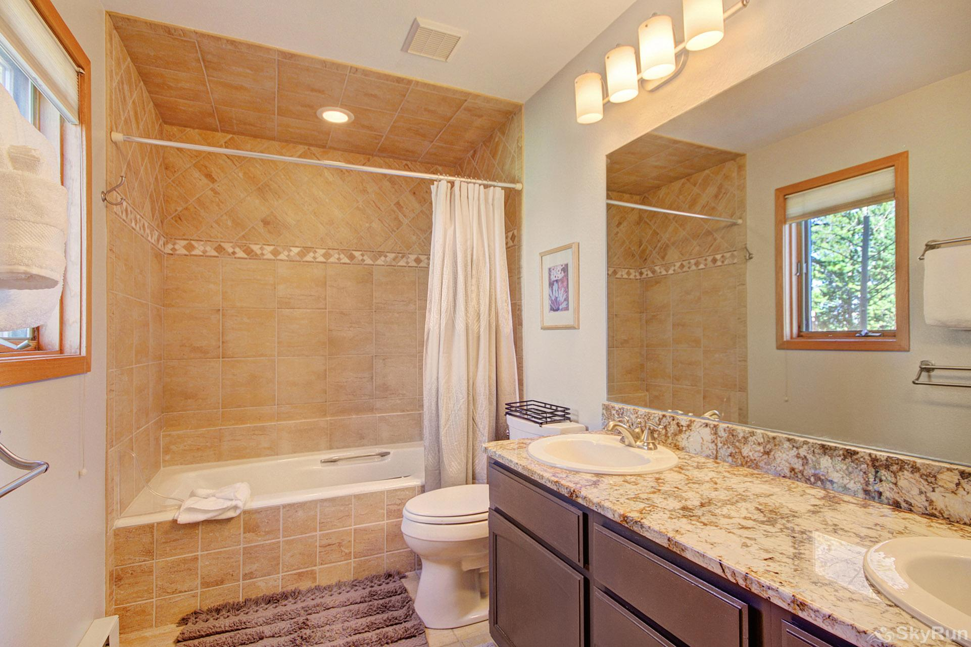 Dancing Moose Lodge Ensuite bathroom with double sinks