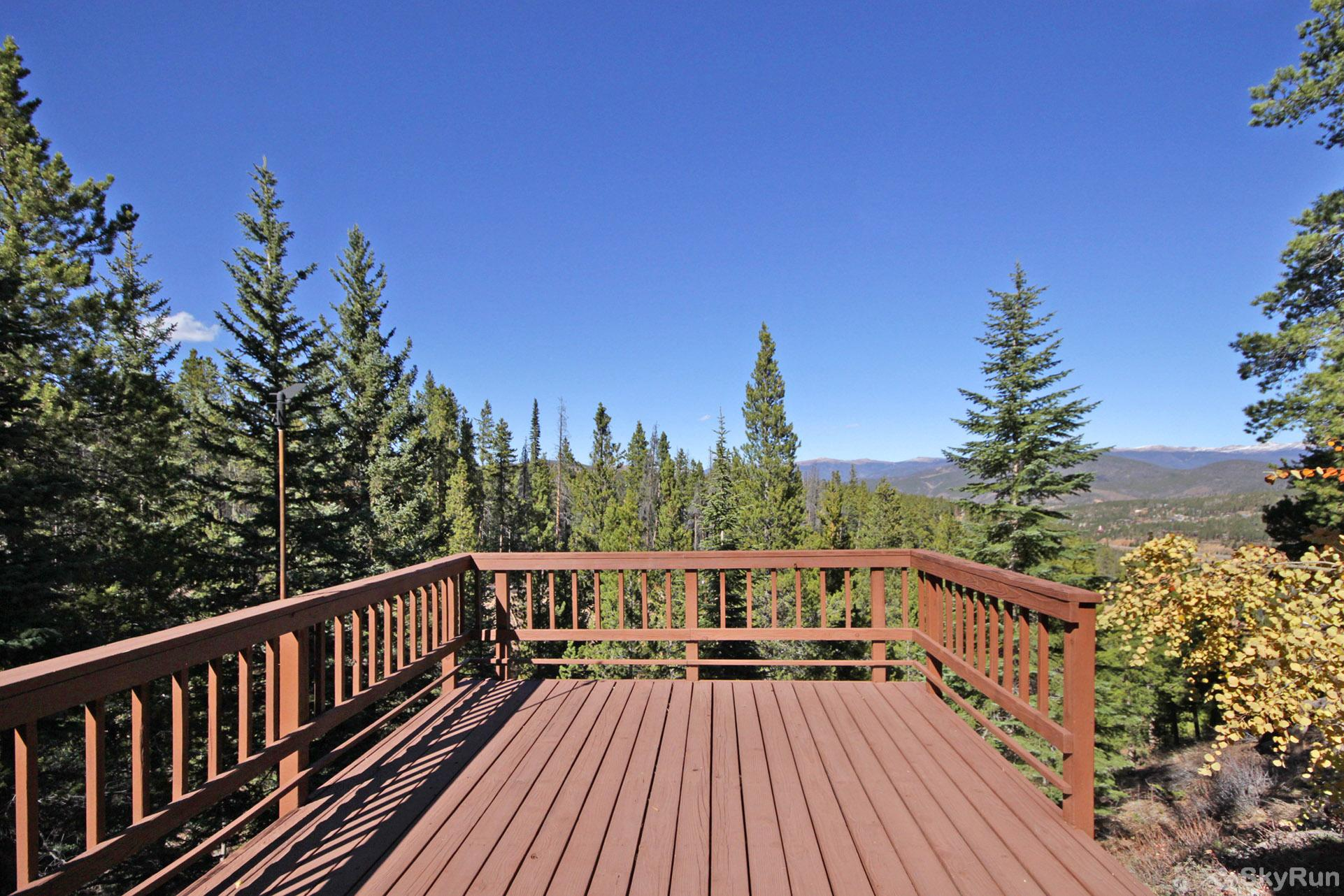 Dancing Moose Lodge Spacious deck - views for miles!