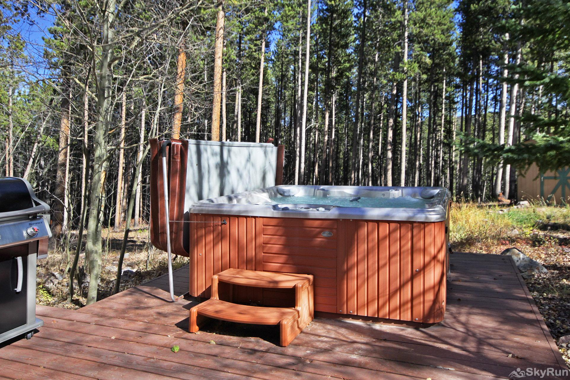 Dancing Moose Lodge Private outdoor hot tub