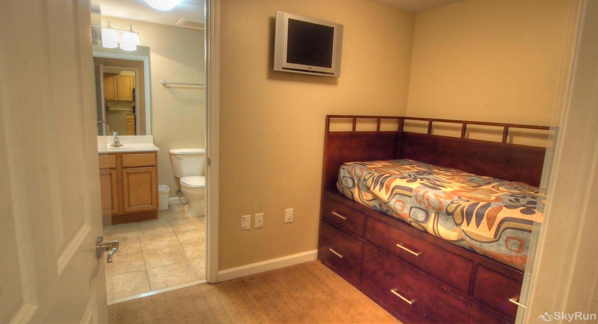 Destin Palms Spare Bedroom