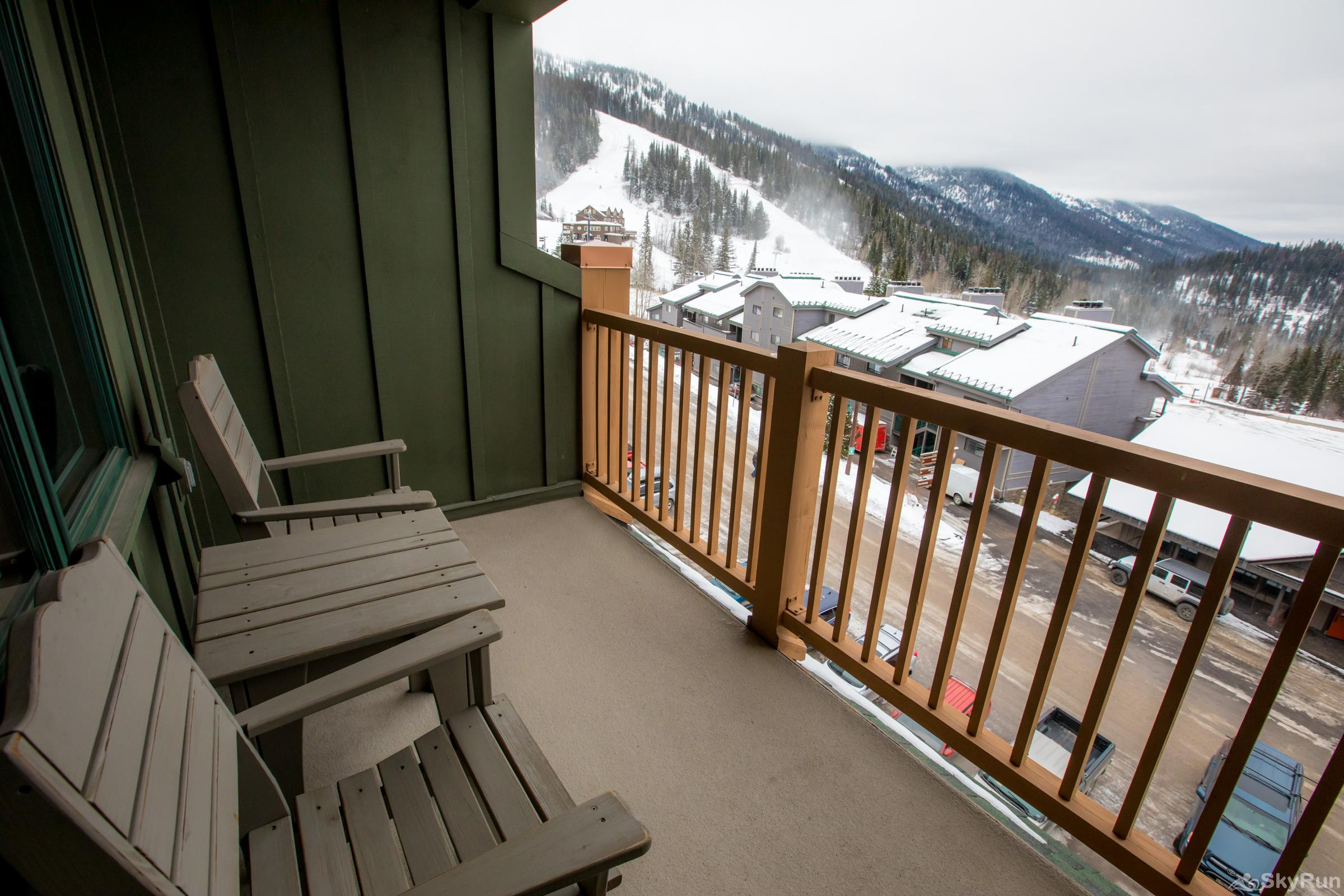 Morning Eagle 411 Relaxing Private Patio Overlooking the Slopes
