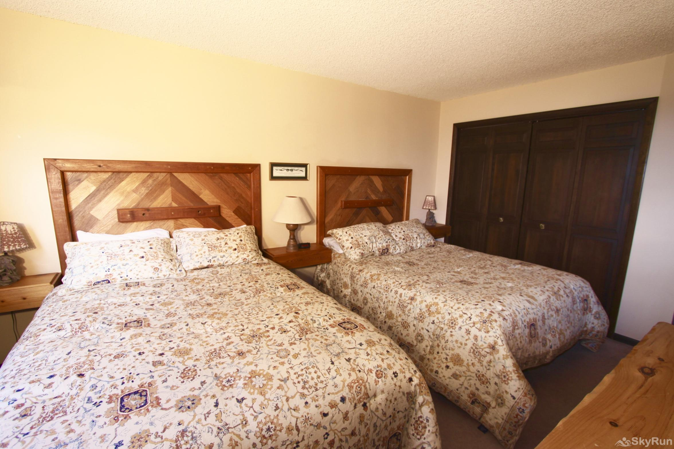Meadow Ridge Court 5 Unit 3 Twin Beds in Bedroom #2
