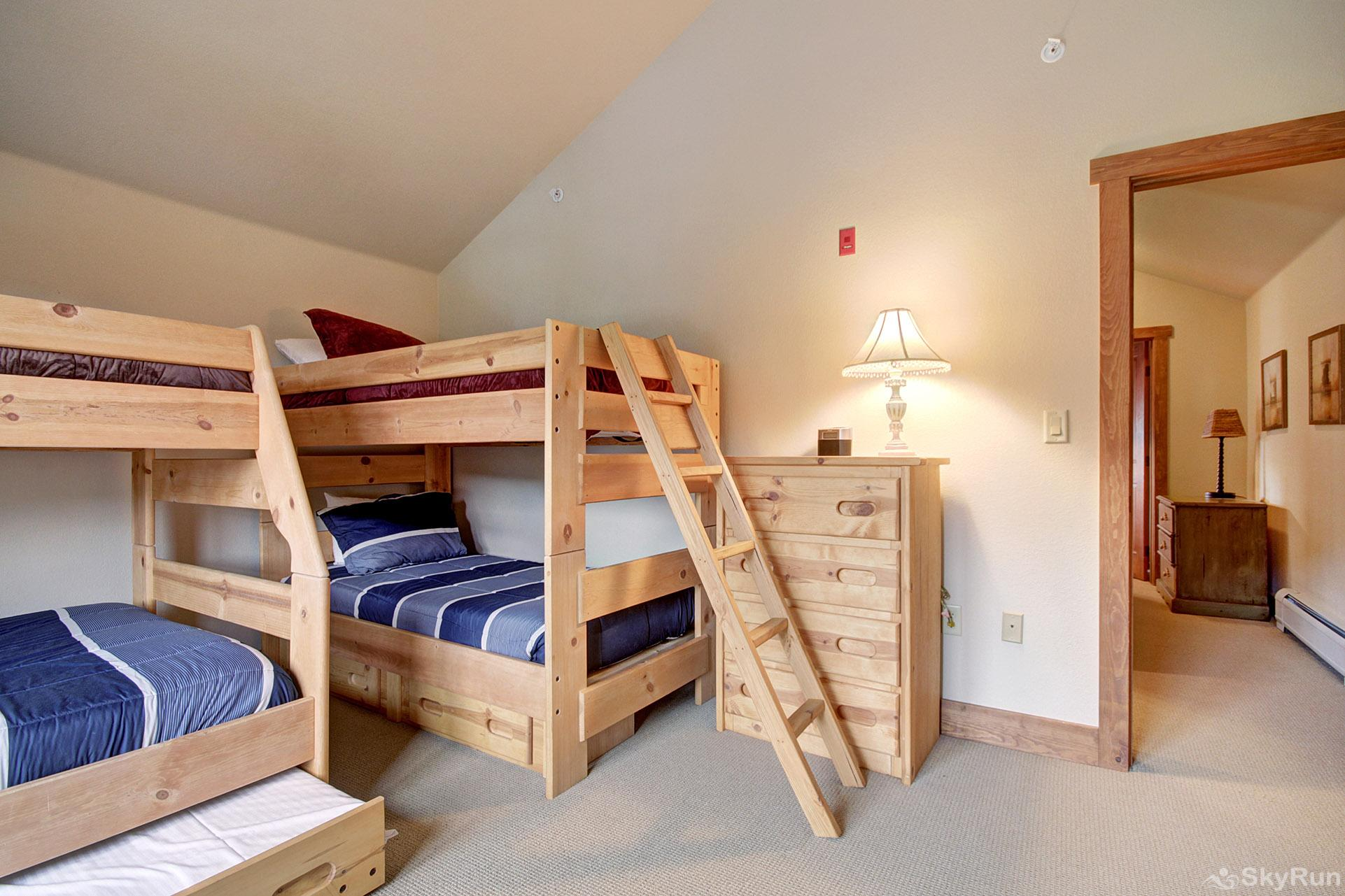 2326 Red Hawk Townhomes Bunk Room