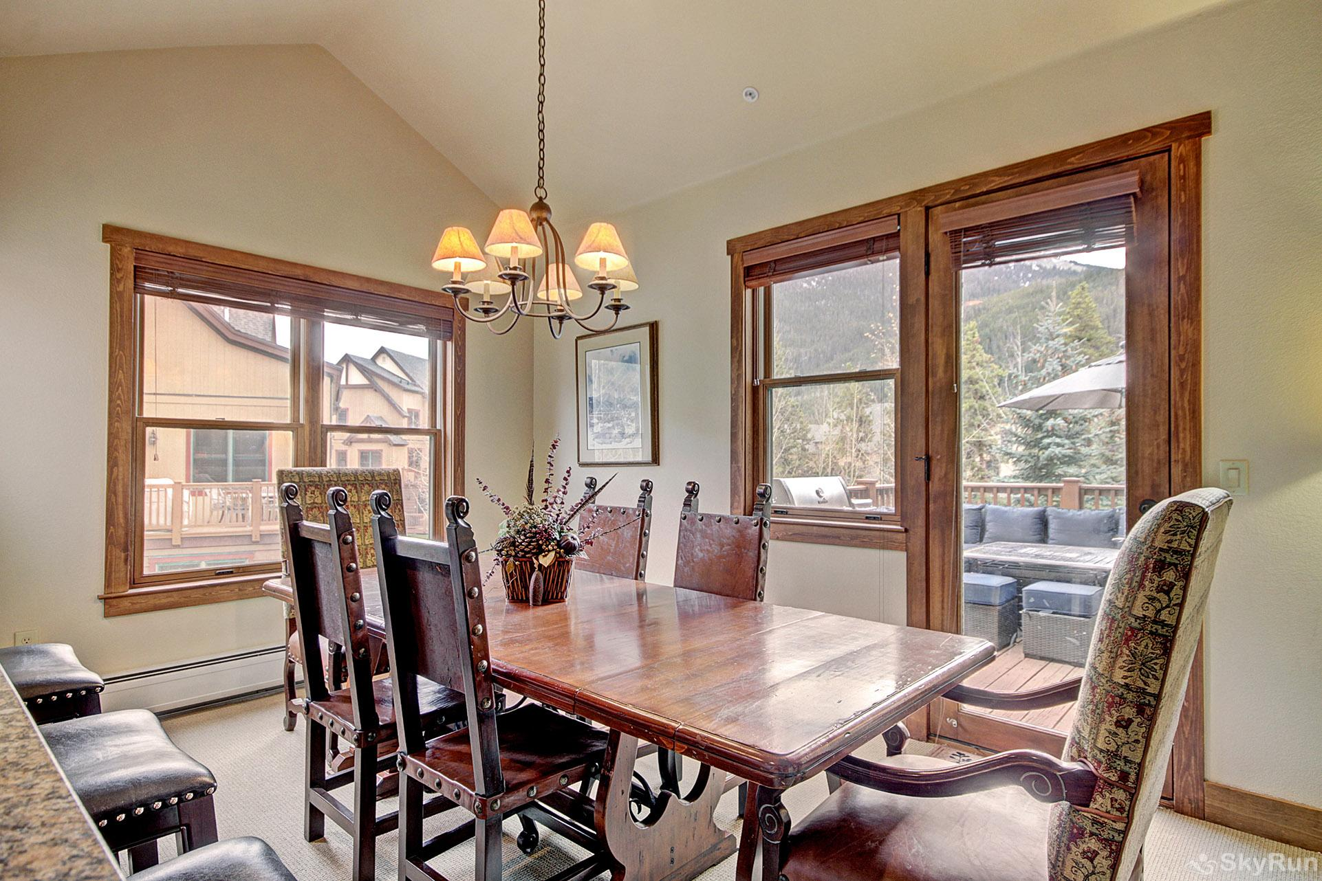 2326 Red Hawk Townhomes Dining Area
