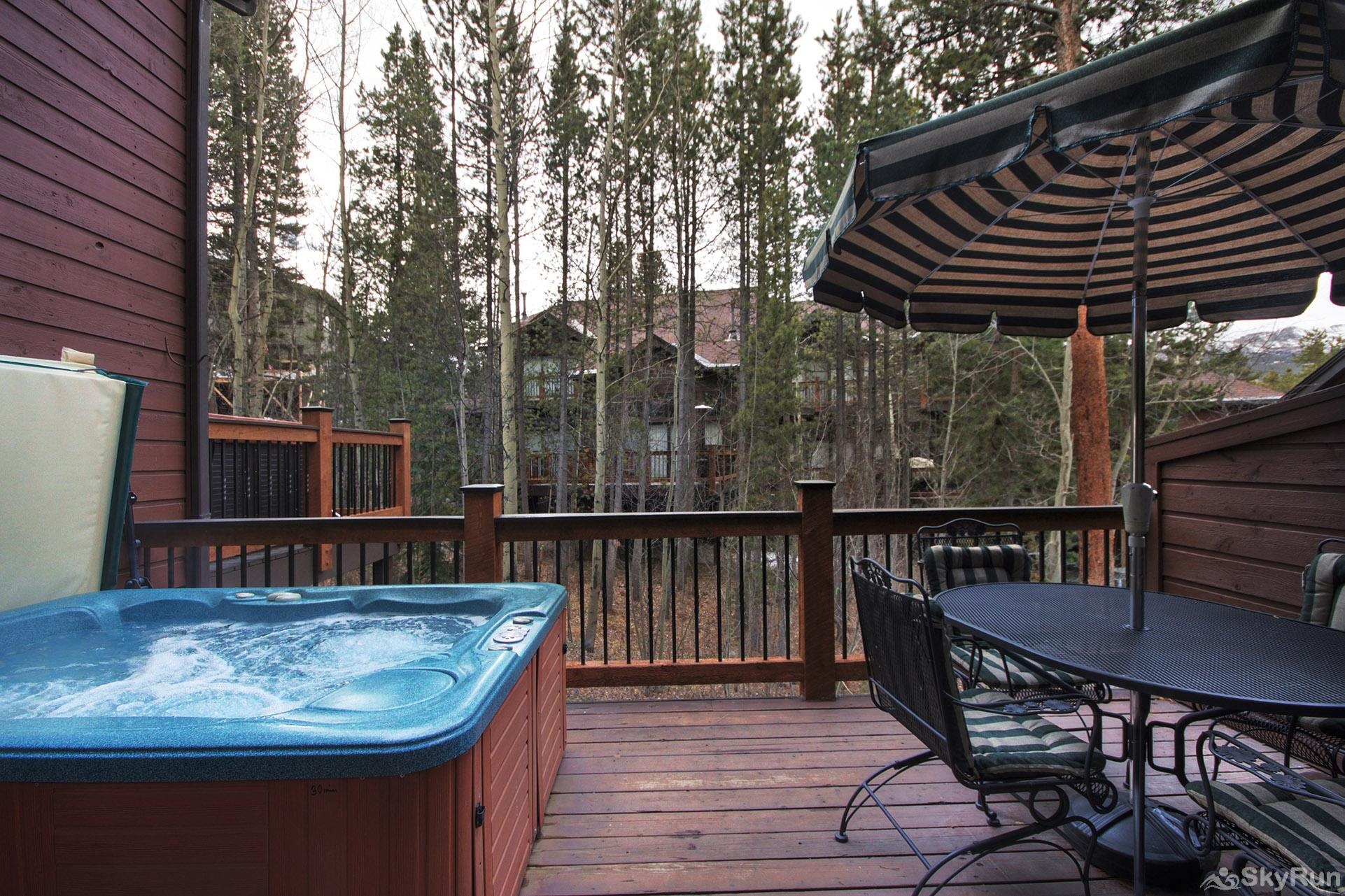 Village Point 303 Relax and unwind in your own private outdoor hot tub