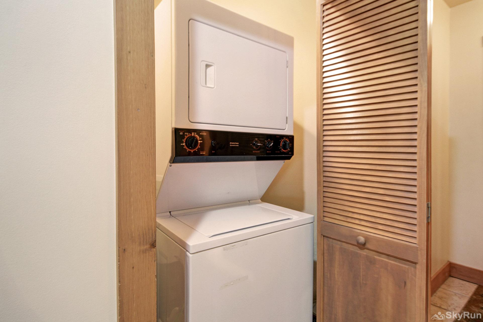 8577 Expedition Station In-Unit Washer and Dryer