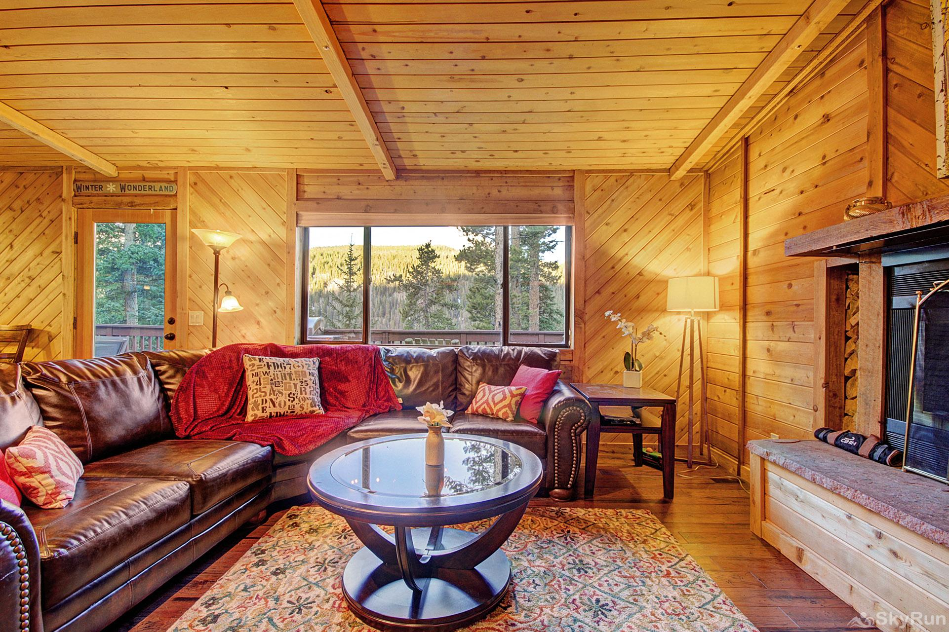Gasthaus Breck Large living room window offers stunning views