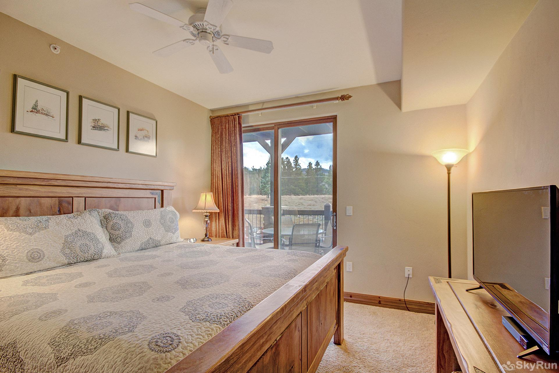 Highland Greens Lodge 211 King master suite walks out to private deck