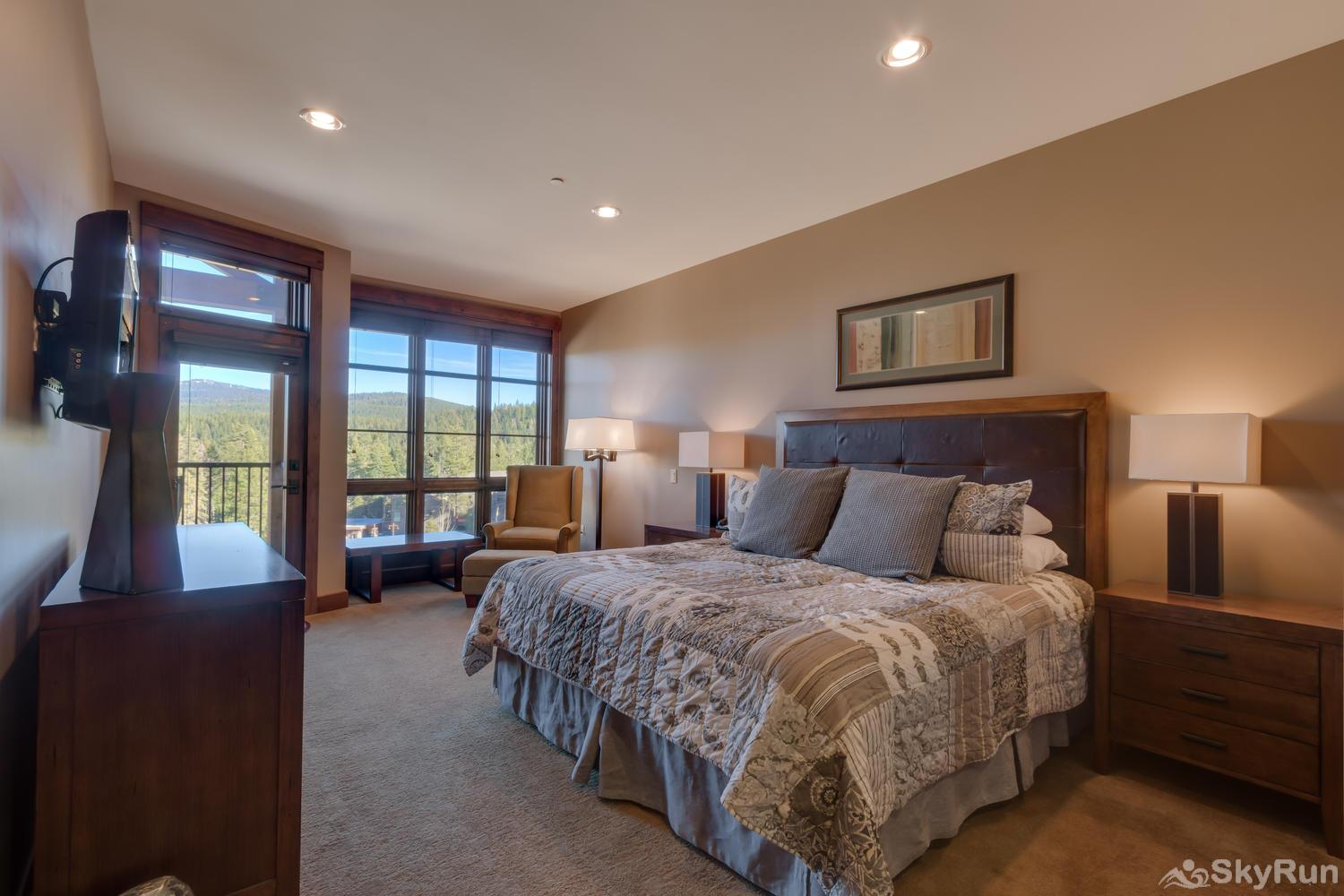 Sierra Range Northstar Lodge Luxury Condo Master En-suite 1
