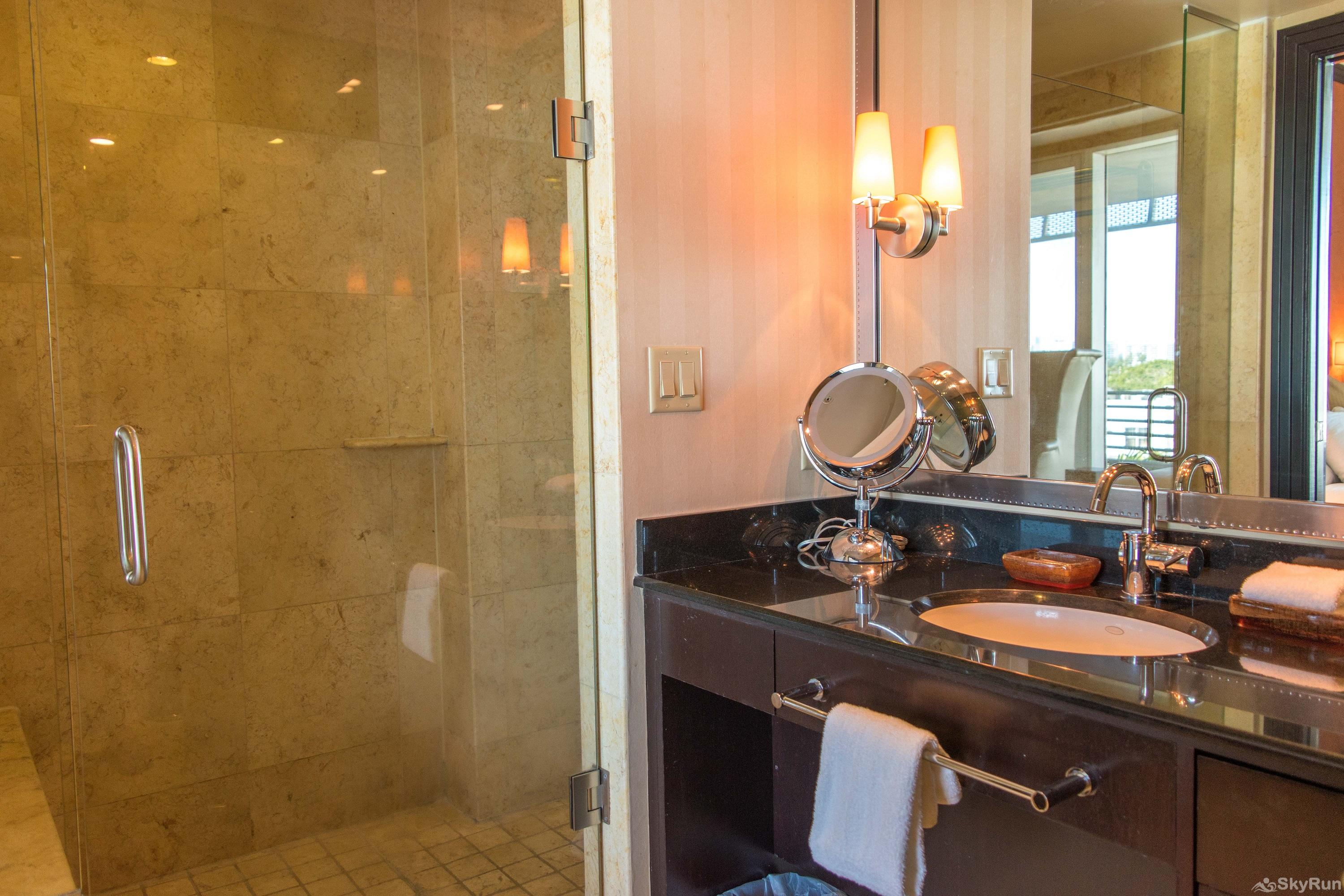 Penthouse De Soleil South Beach - on Ocean Drive Miami Beach SPA INSPIRED SHOWER