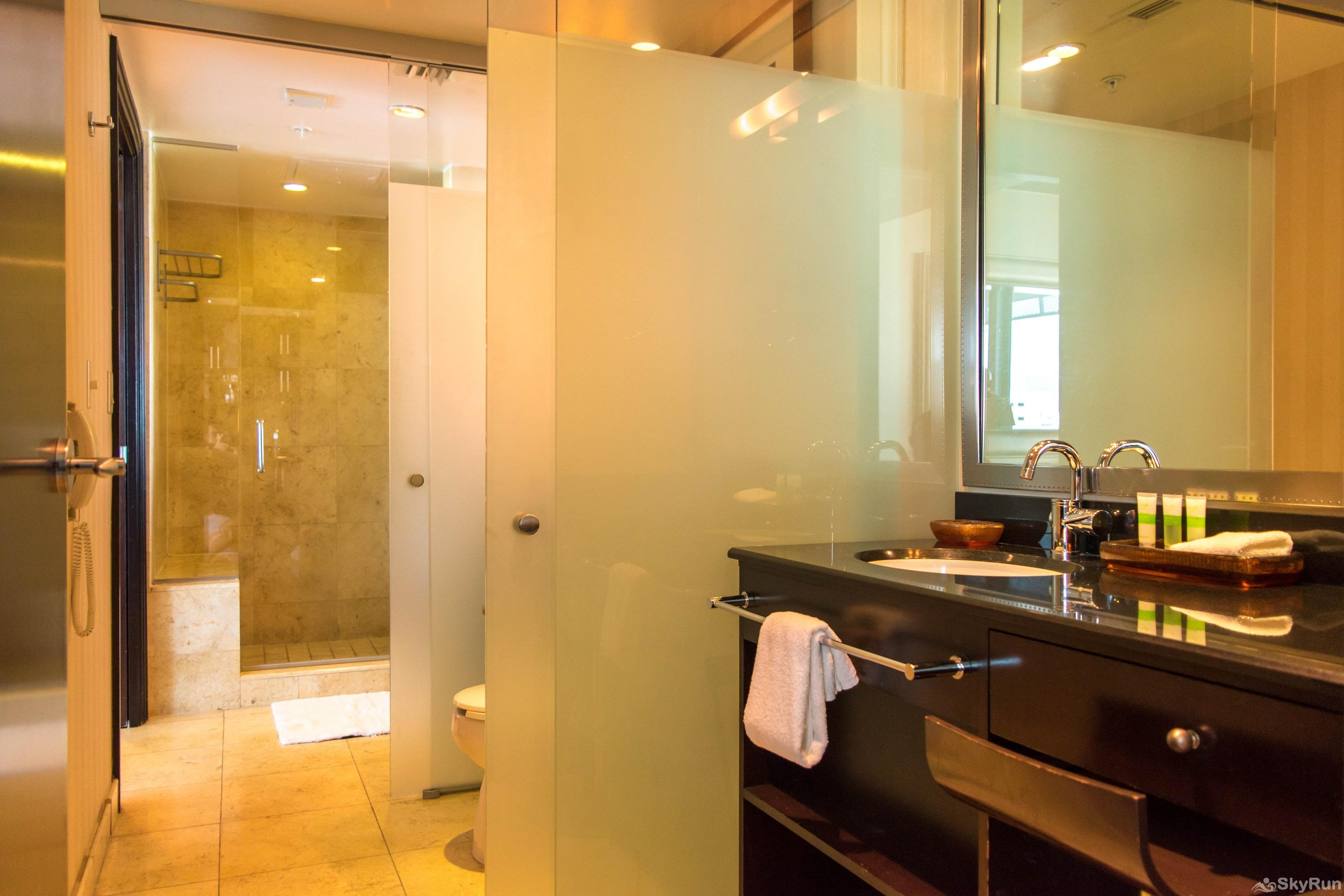 Penthouse De Soleil South Beach - on Ocean Drive Miami Beach SPA INSPIRED BATHROOM