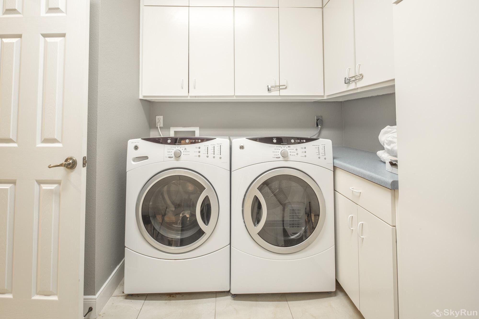 GRUENE VISTA ON THE GUADALUPE Laundry Room Available for Guest Use