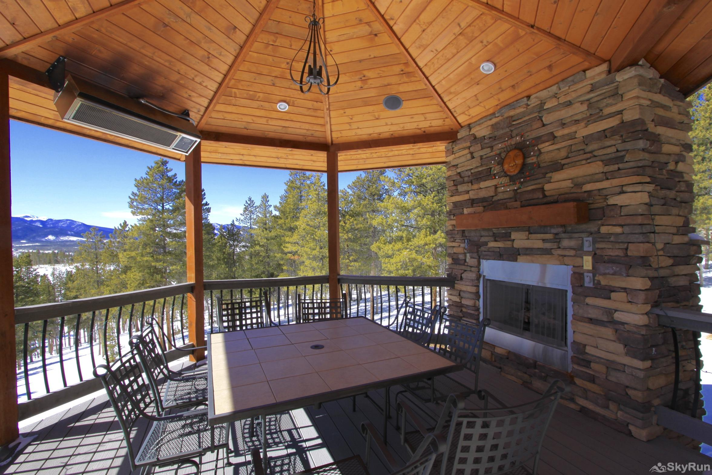 Icebox Bend Luxury 6 BR Large Deck with Outdoor Fireplace