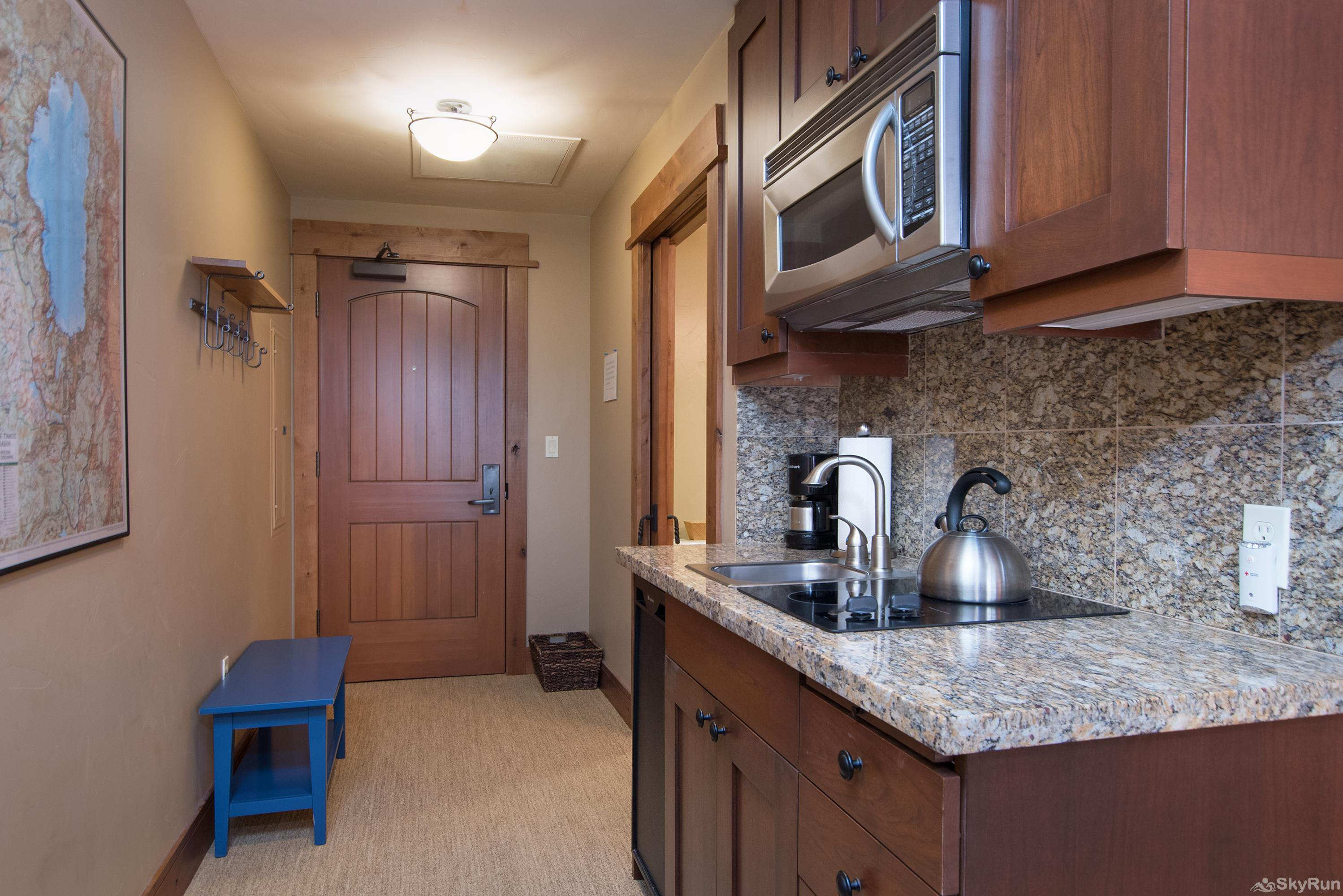 Catamount 306 - In the Heart of Northstar Resort 2nd Bedroom: Junior King Suite - Kitchenette