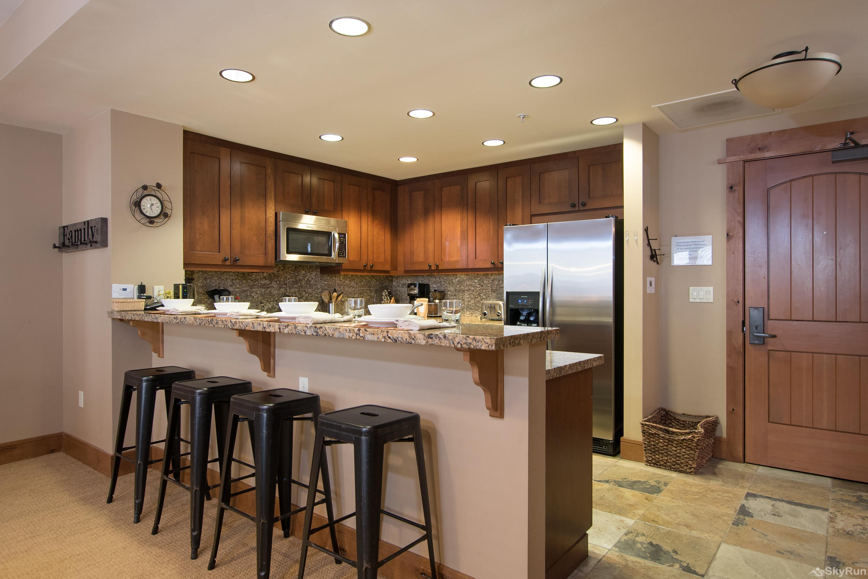 Catamount 306 - In the Heart of Northstar Resort Kitchen/Breakfast Counter