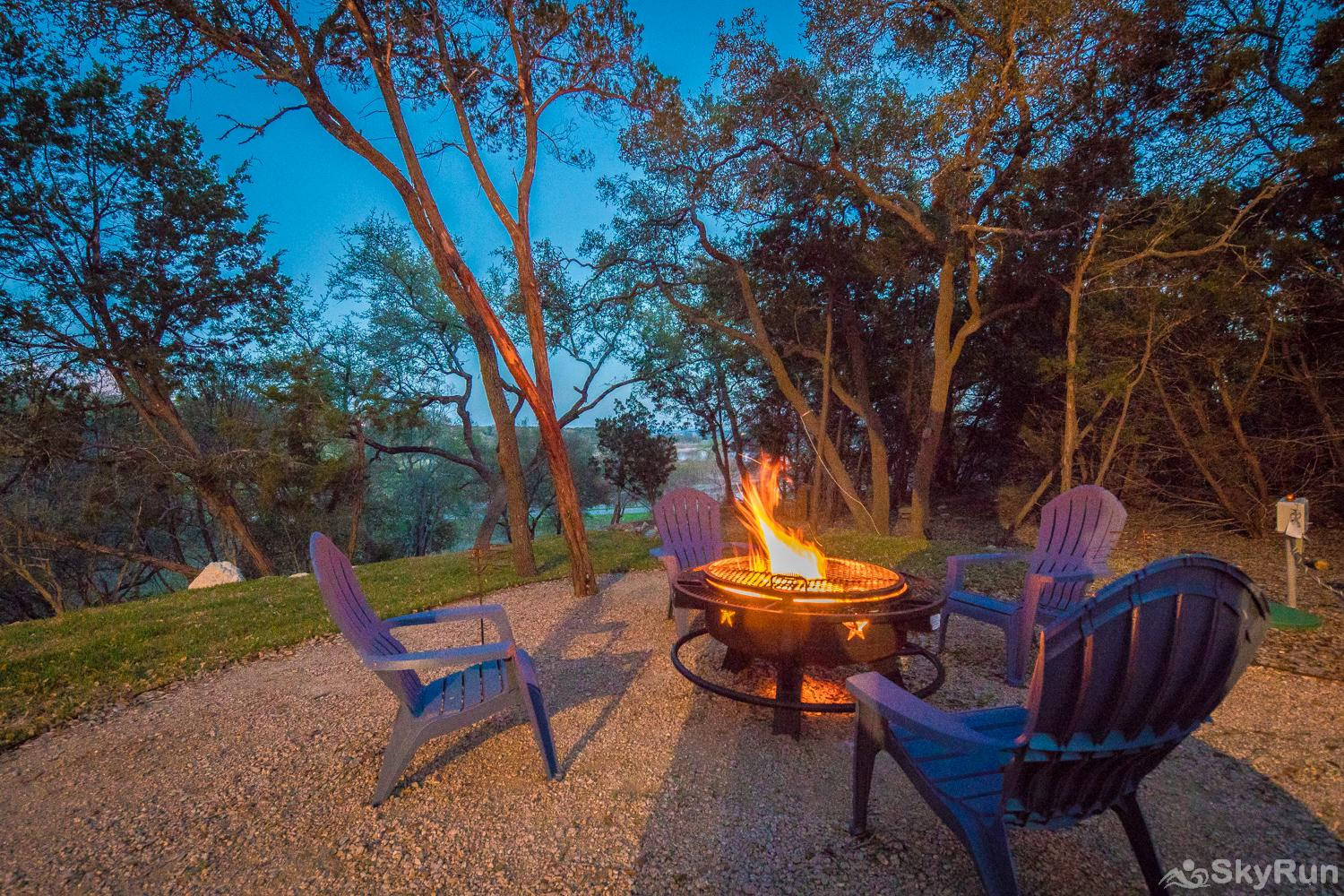 MAGNOLIA HAUS Book Your Canyon Lake Vacation with SkyRun Today!