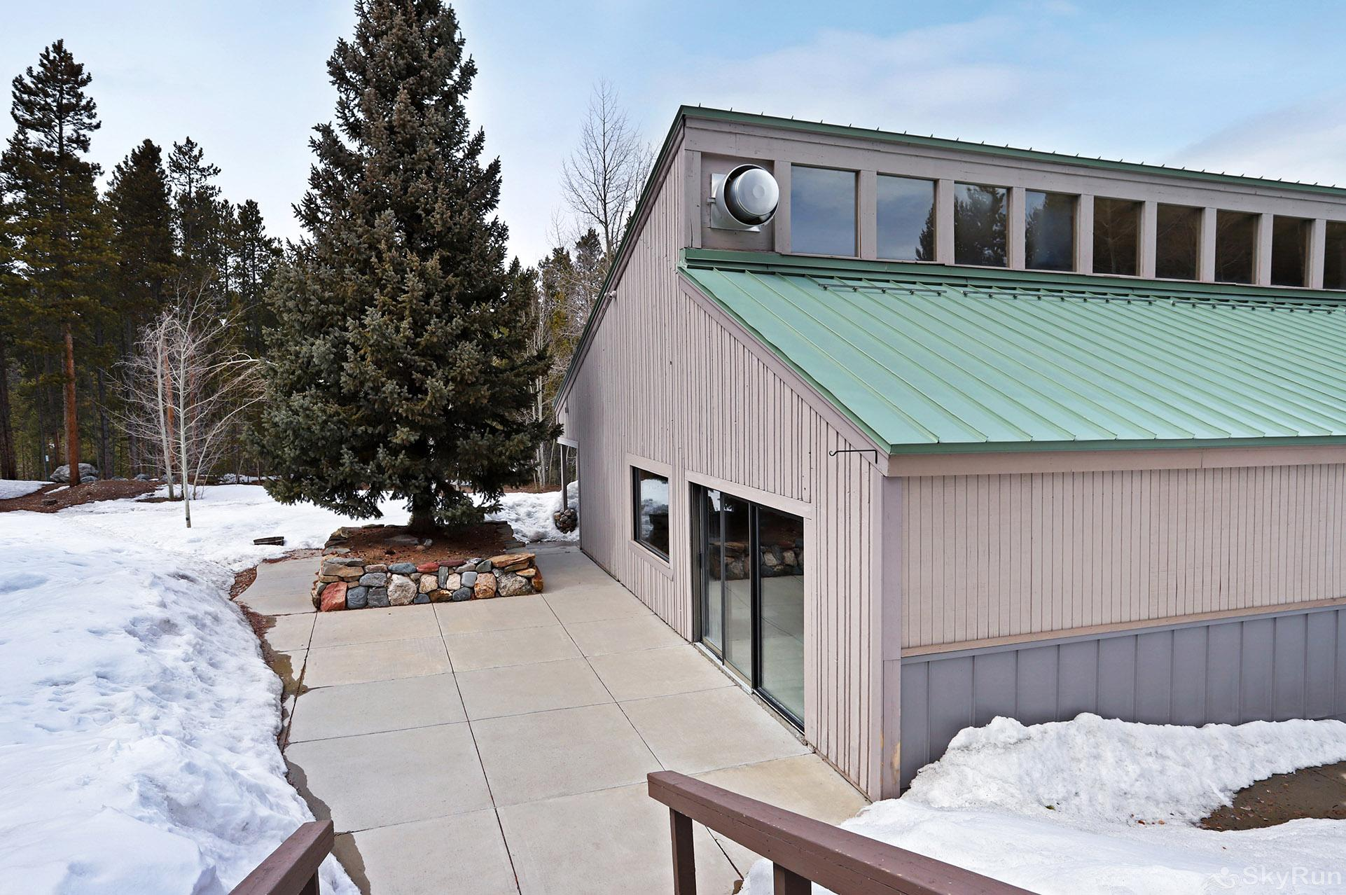 Ski and Racquet Club B106 Community clubhouse building