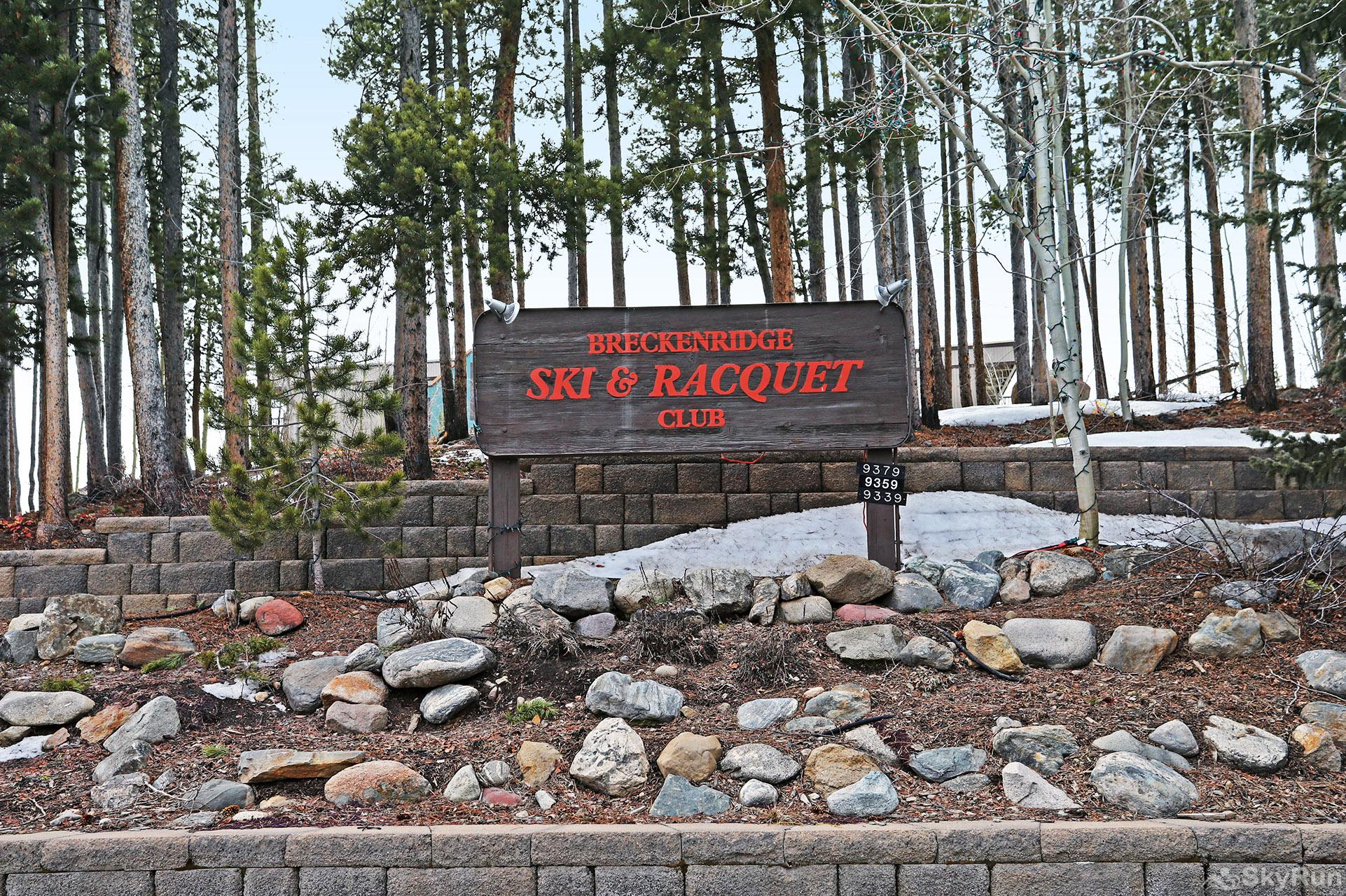 Ski and Racquet Club B106 Ski & Racquet Club sign