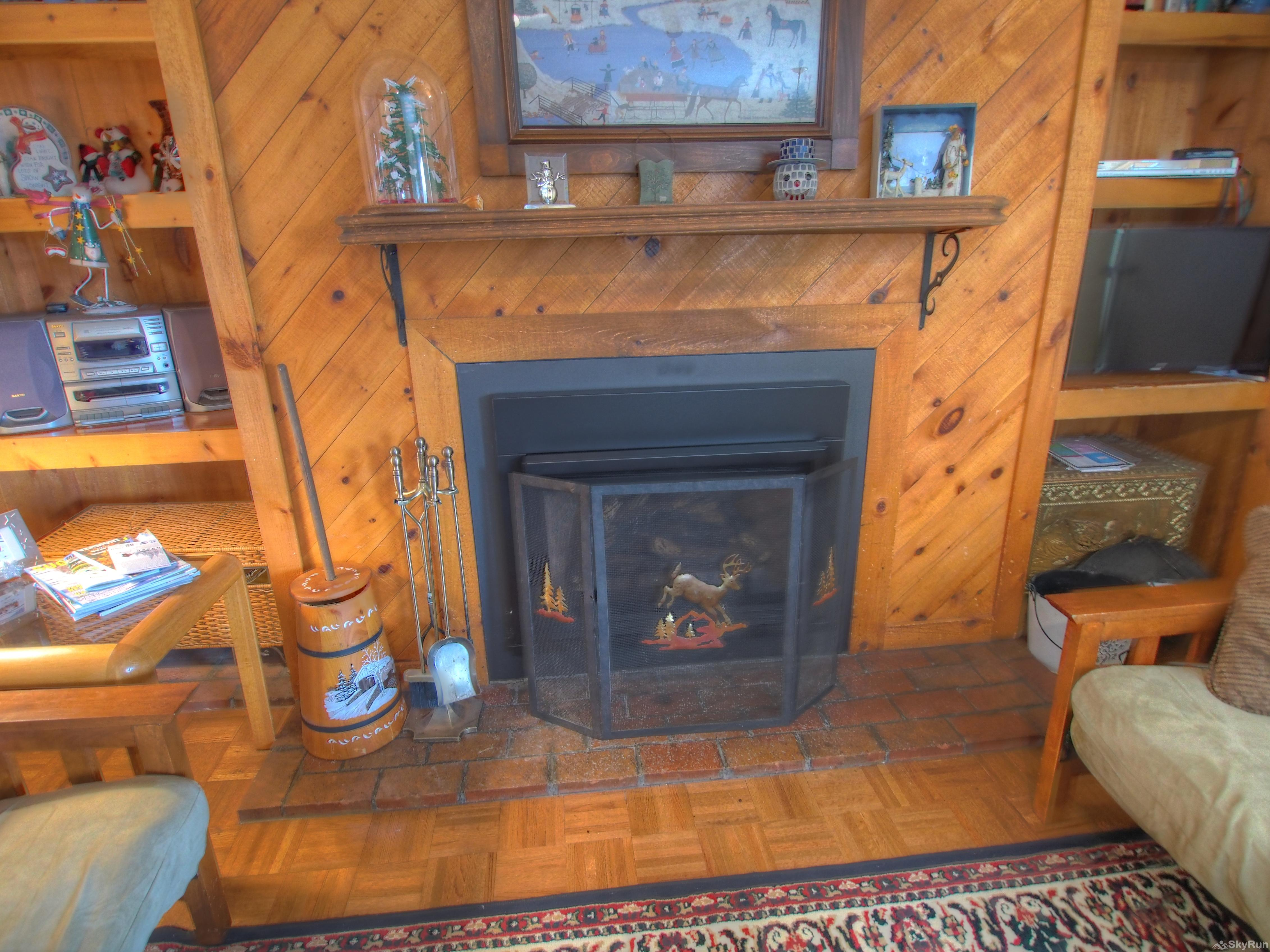 14 Snowside Cozy gas fireplace