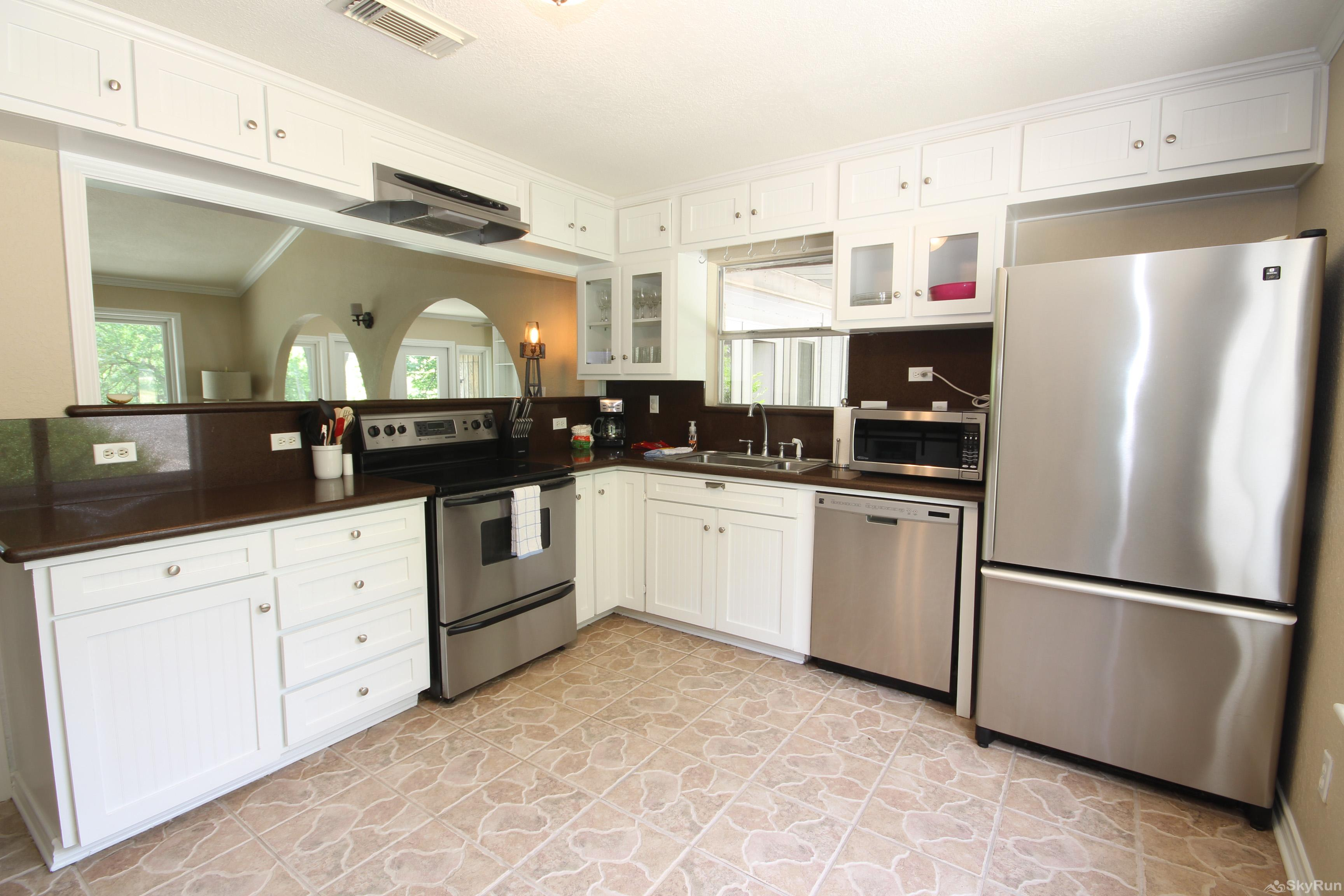 MAVERICK'S RIVER HAUS & GUEST HAUS Stainless Steel Appliances in Kitchen